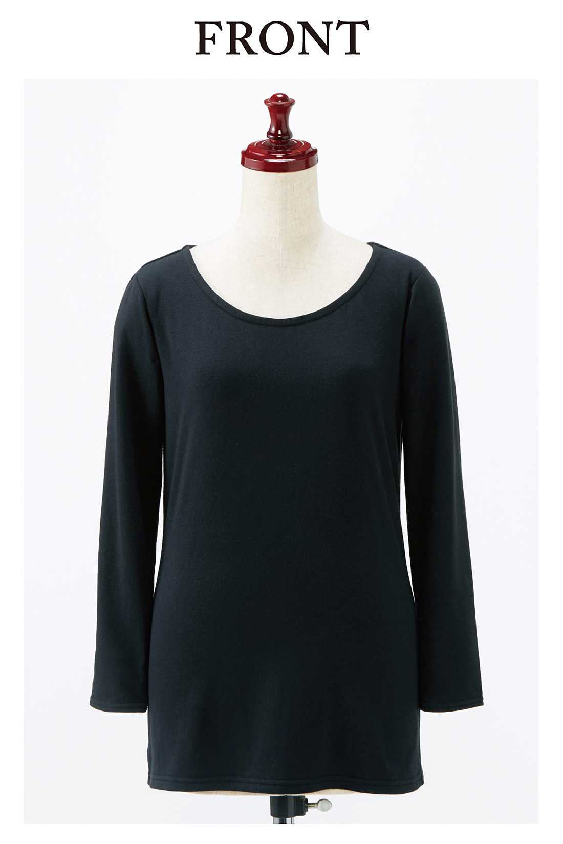 衿ぐりはほどよい開きで、チラ見えリスクを軽減。