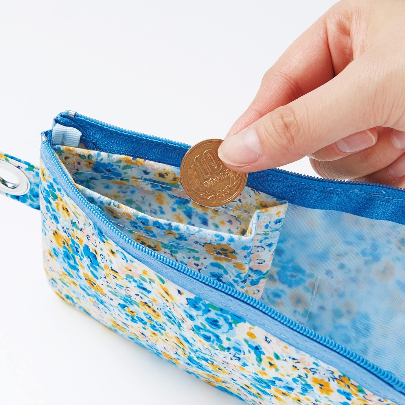 内側には小銭ポケット付き。