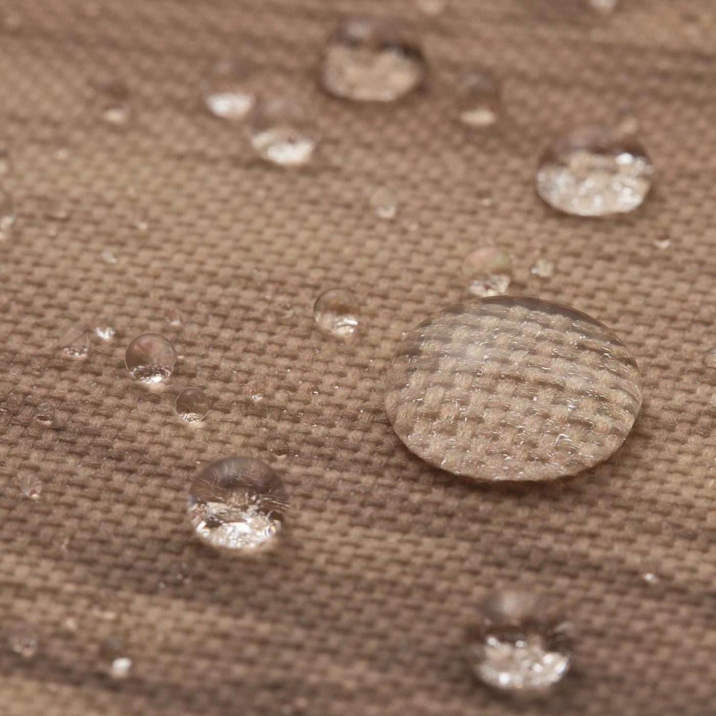 ナチュラルなリアル木目プリントのボードは撥水(はっすい)加工をほどこしているので、飲み物などを置いても。
