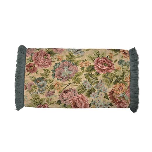 棚に置いたトレイや花瓶、オブジェの下に敷くだけで、空気が一変。カゴに掛けて目隠しにしたり、ティーマットとしても使えます。(約25×52cm、アクリル・レーヨンなど)
