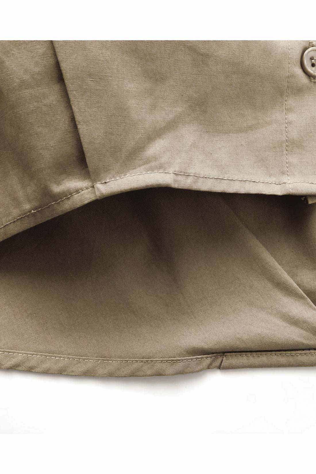 [タックでぷっくり。]前と後ろに入ったタックが立体感を演出します。おしりをカバーしてくれる長め丈もナイス。