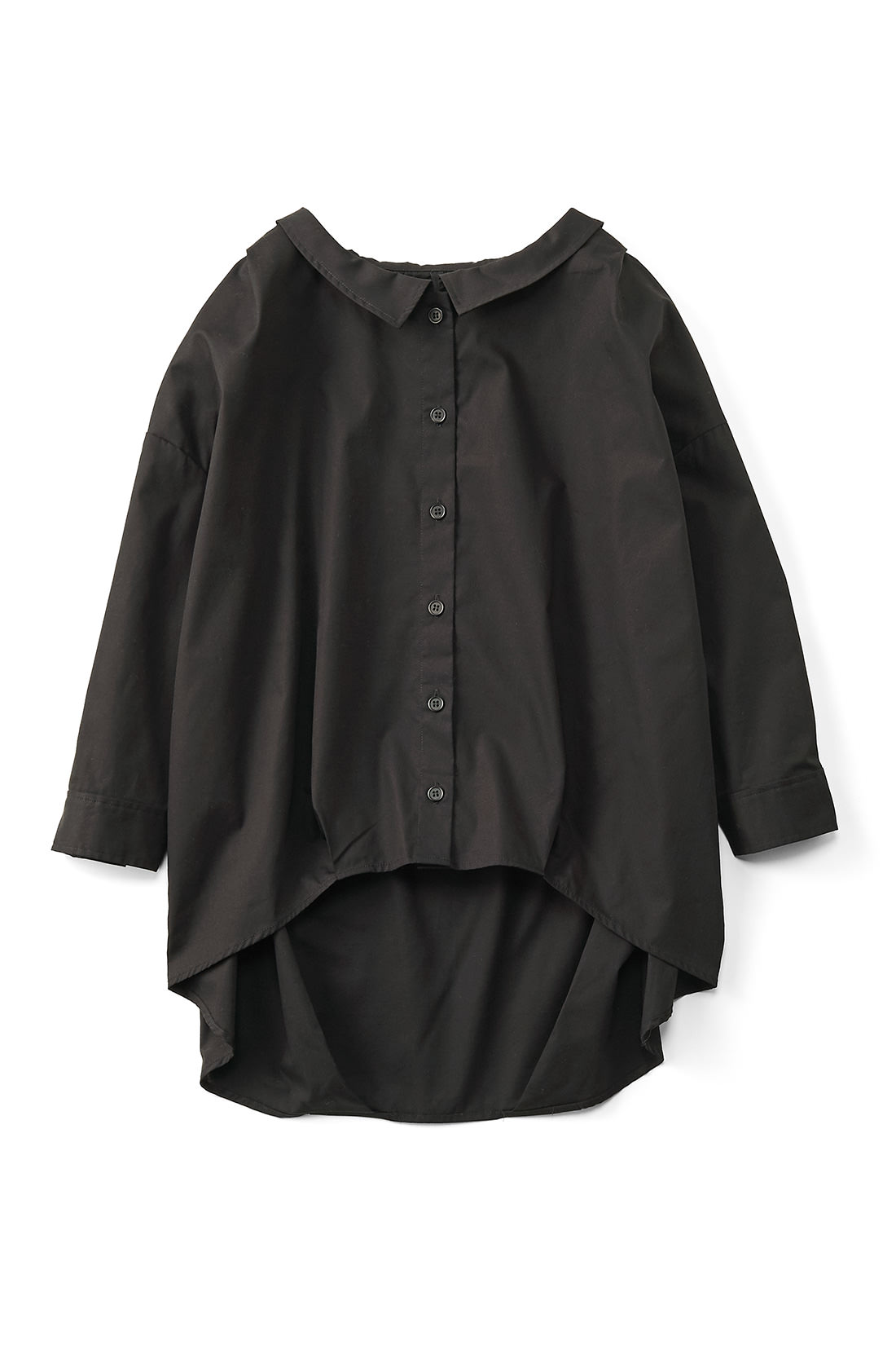 オトナっぽい[ブラック]。たっぷりとした身幅に七分袖がグッドバランス。
