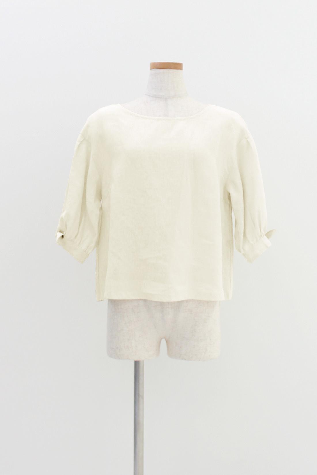 [キナリ]少し短め丈&身幅広めのゆるシルエット。袖のリボンが、ほんのりガーリー。