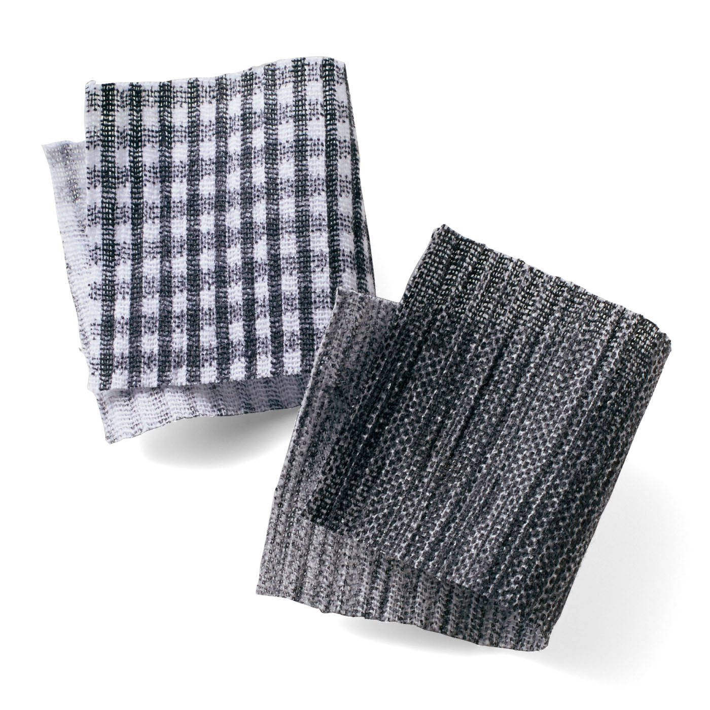 江戸時代から滋賀県高島市で作られている伝統素材の高島ちぢみ(R)。綿ちぢみは凹凸があるので、独特のシャリ感があり、汗をよく吸うのが特徴。高温多湿な日本の風土に適しています。