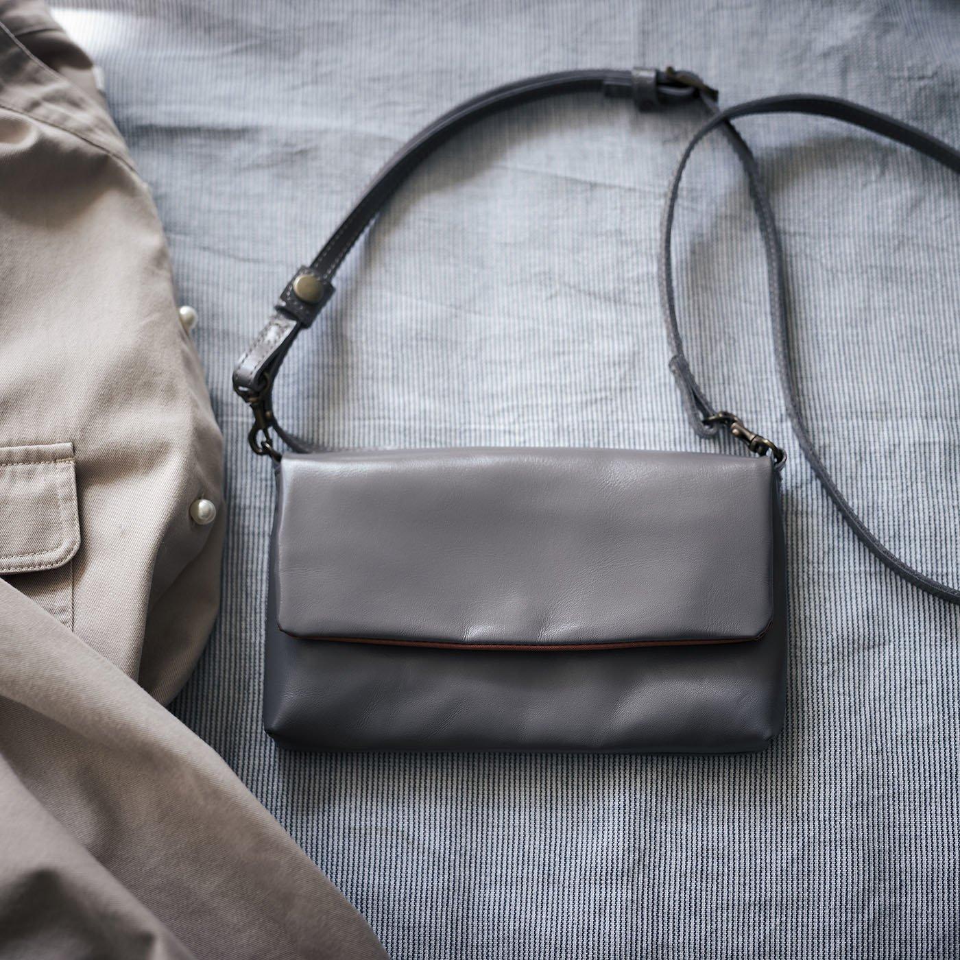 鞄職人が作った 馬革パルフェバッグ〈ライトグレー〉[本革 お財布ポシェット:日本製]