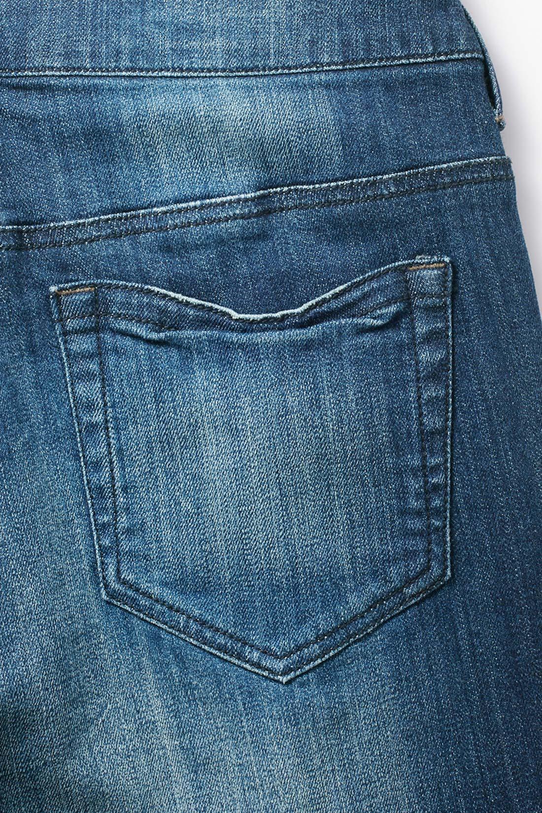 後ろポケットにもヴィンテージ加工 長くはき込んだような生地の擦れやアタリ、色落ちだけでなく形状まで、風合いたっぷり。