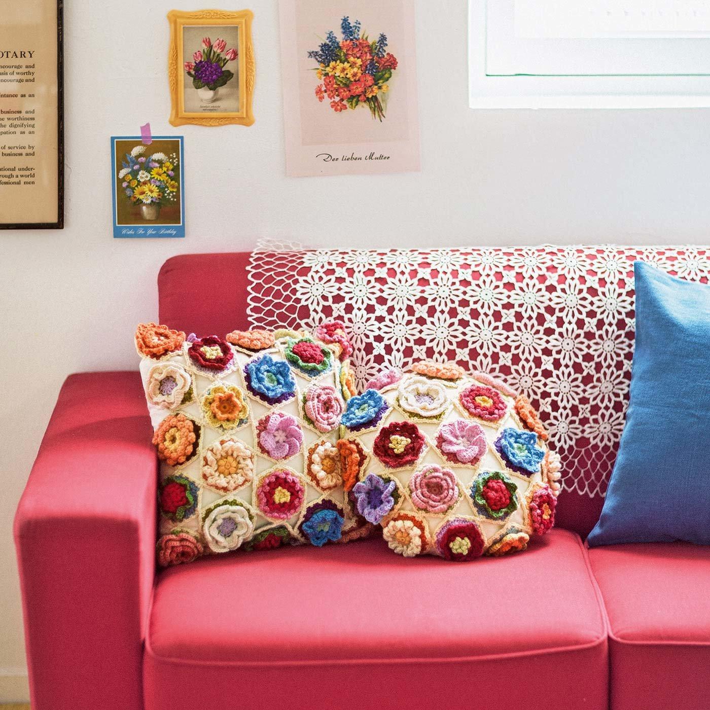 重なる花びらのボリューム感が魅力 誕生月のお花をイメージした立体モチーフ編み