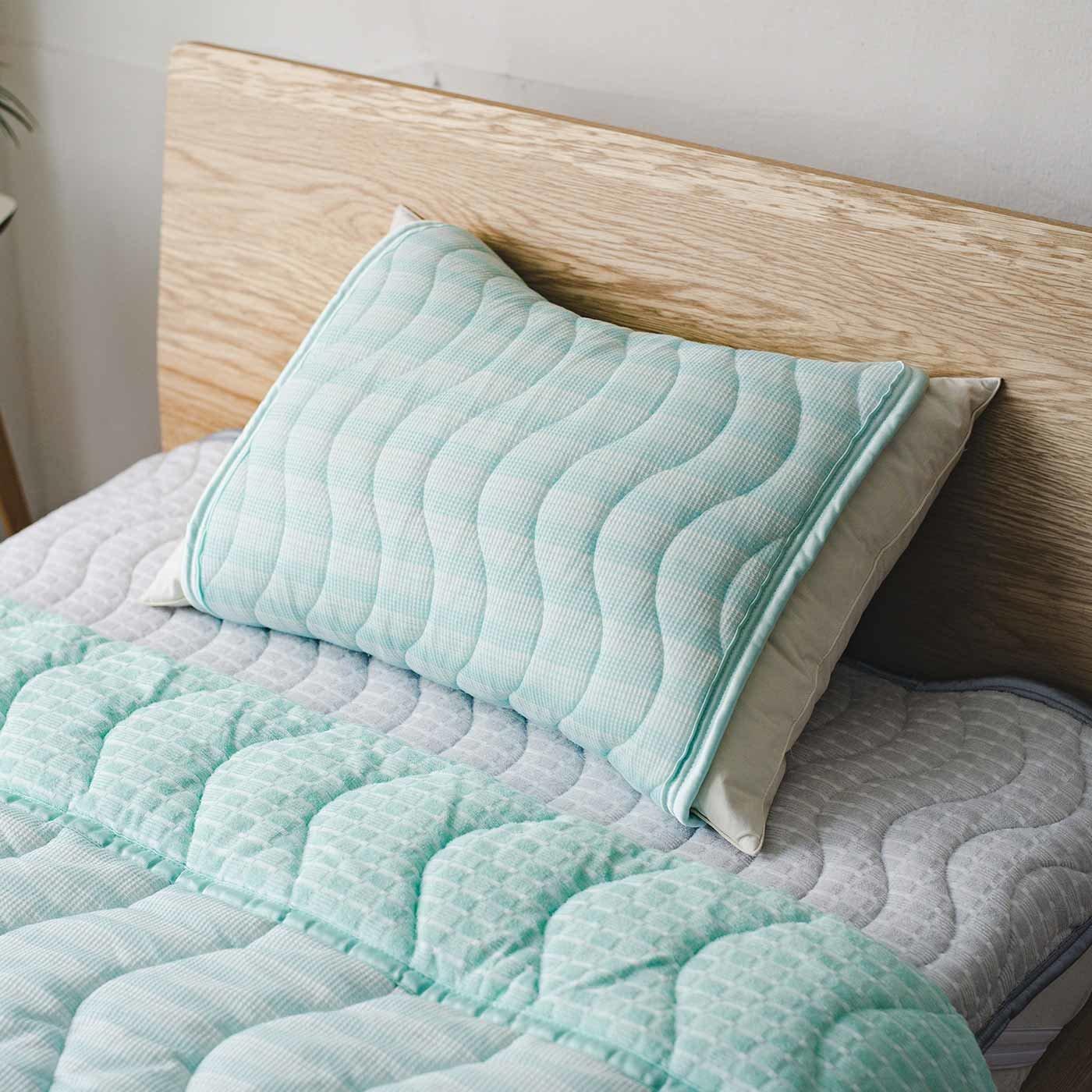 ファブリーズ 気になるにおいや菌の繁殖をおさえてぐっすり眠る 両面使えるピローパッド