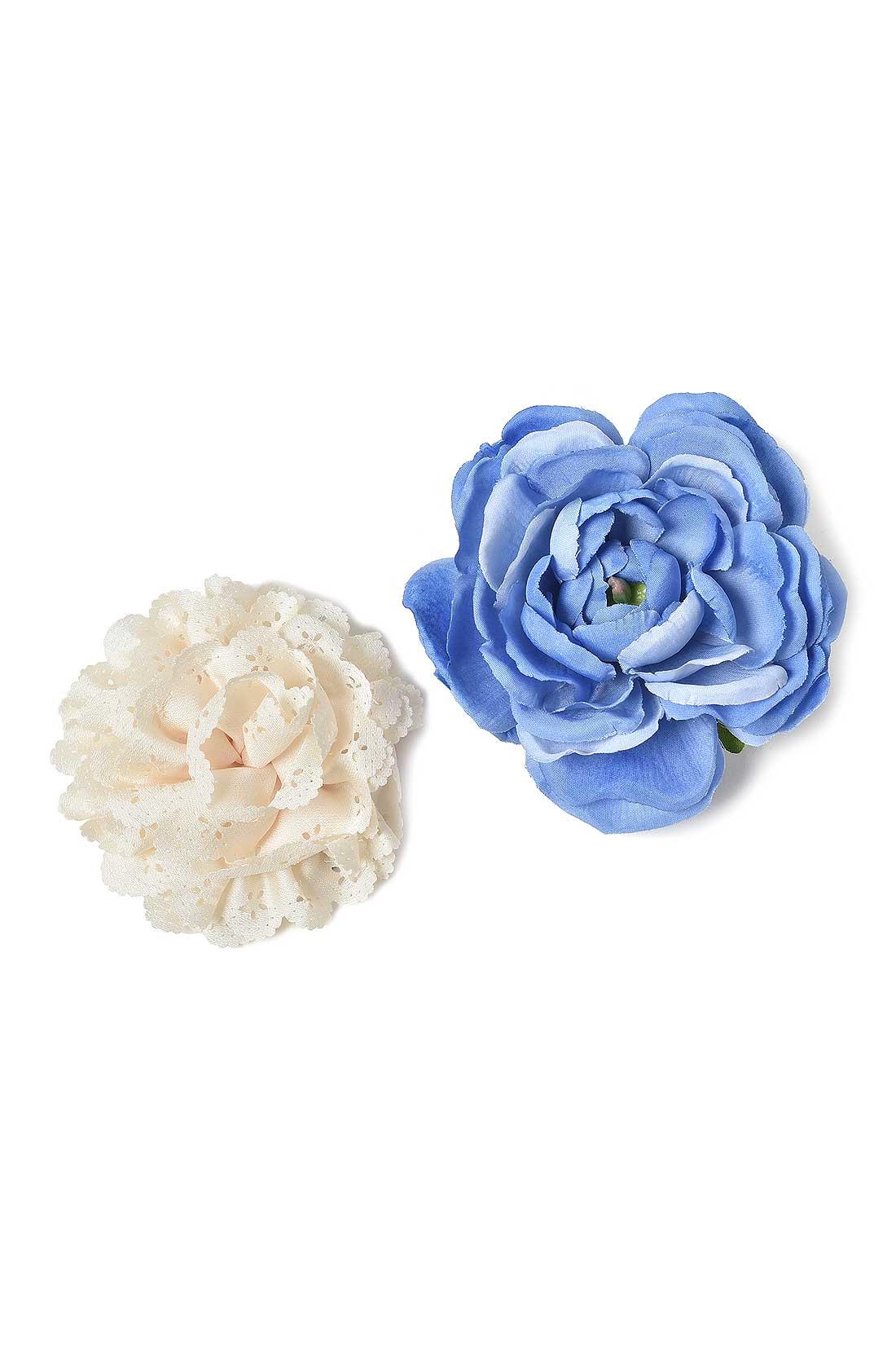 雰囲気の異なるふたつのお花をセットでお届け。