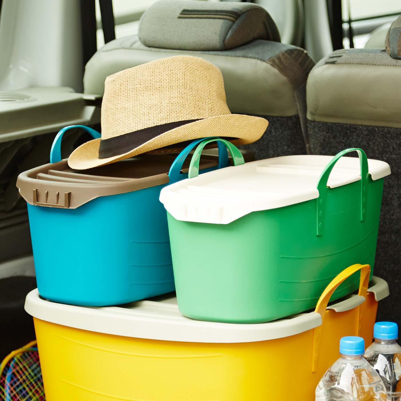 ふたをすると積み重ねて置けるので、移動や収納に便利。
