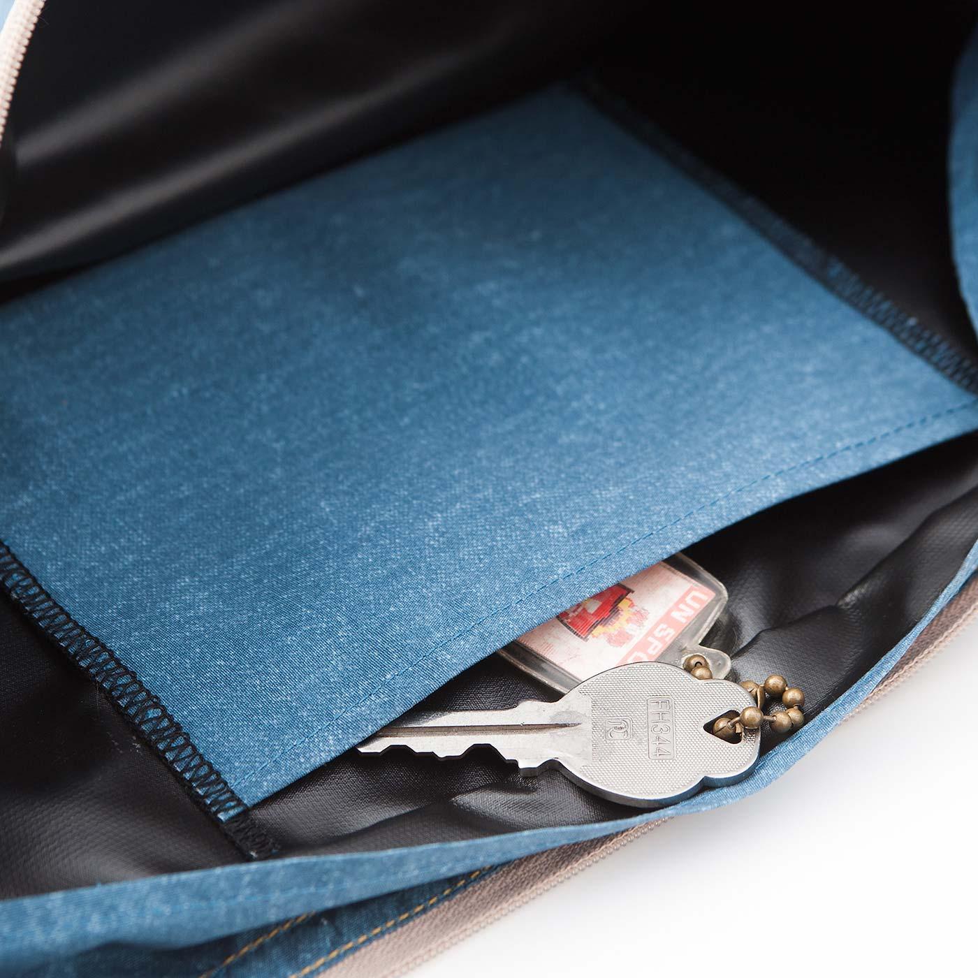 内ポケット付き。細かなものは分けて収納。