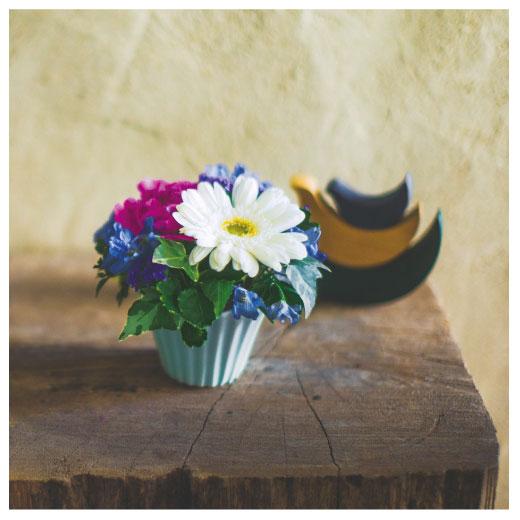 少しのお花でも、かわいく生けるプロのコツを学べます。