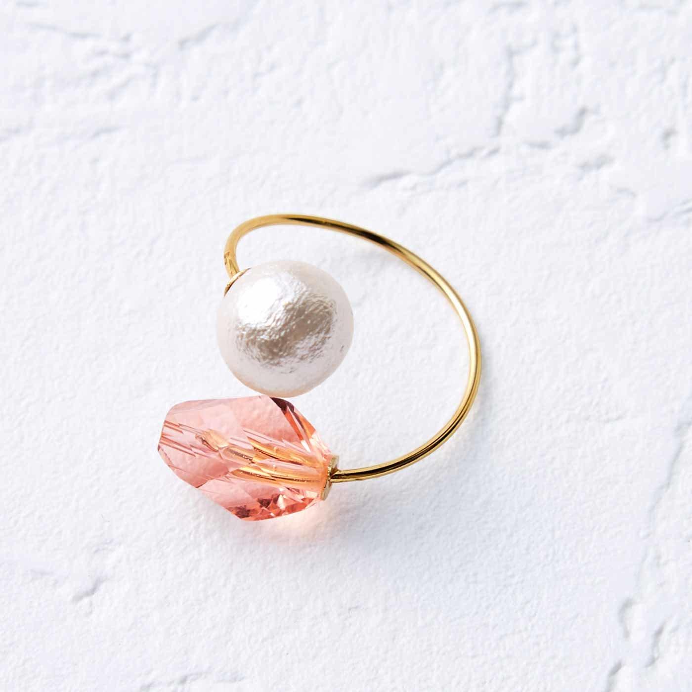 OSYAIRO コットンパールとガラスのコイルリング〈ピンク〉