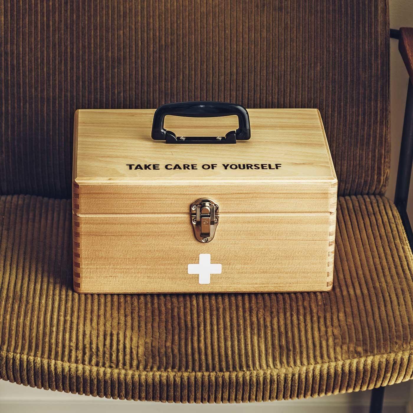 木工職人の手づくり木のくすり箱