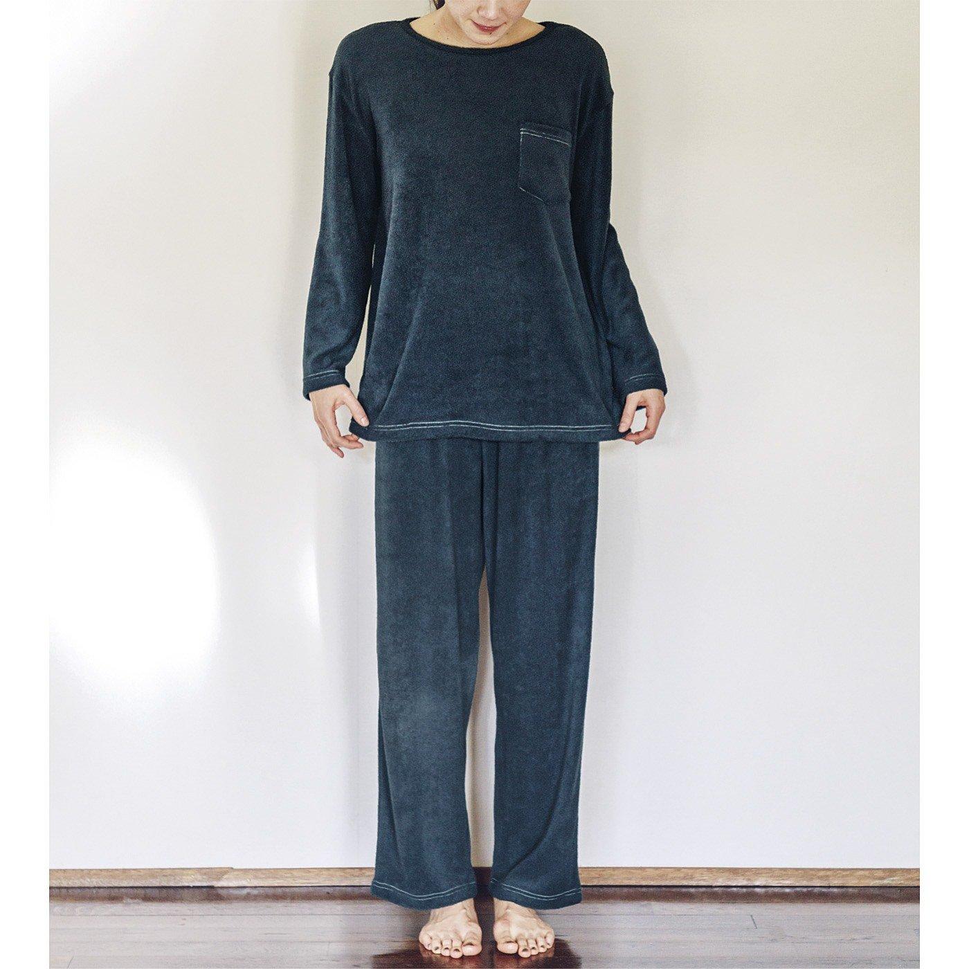 古着屋さんで見つけたような両面パイルのやわらかパジャマ〈ヴィンテージネイビー〉