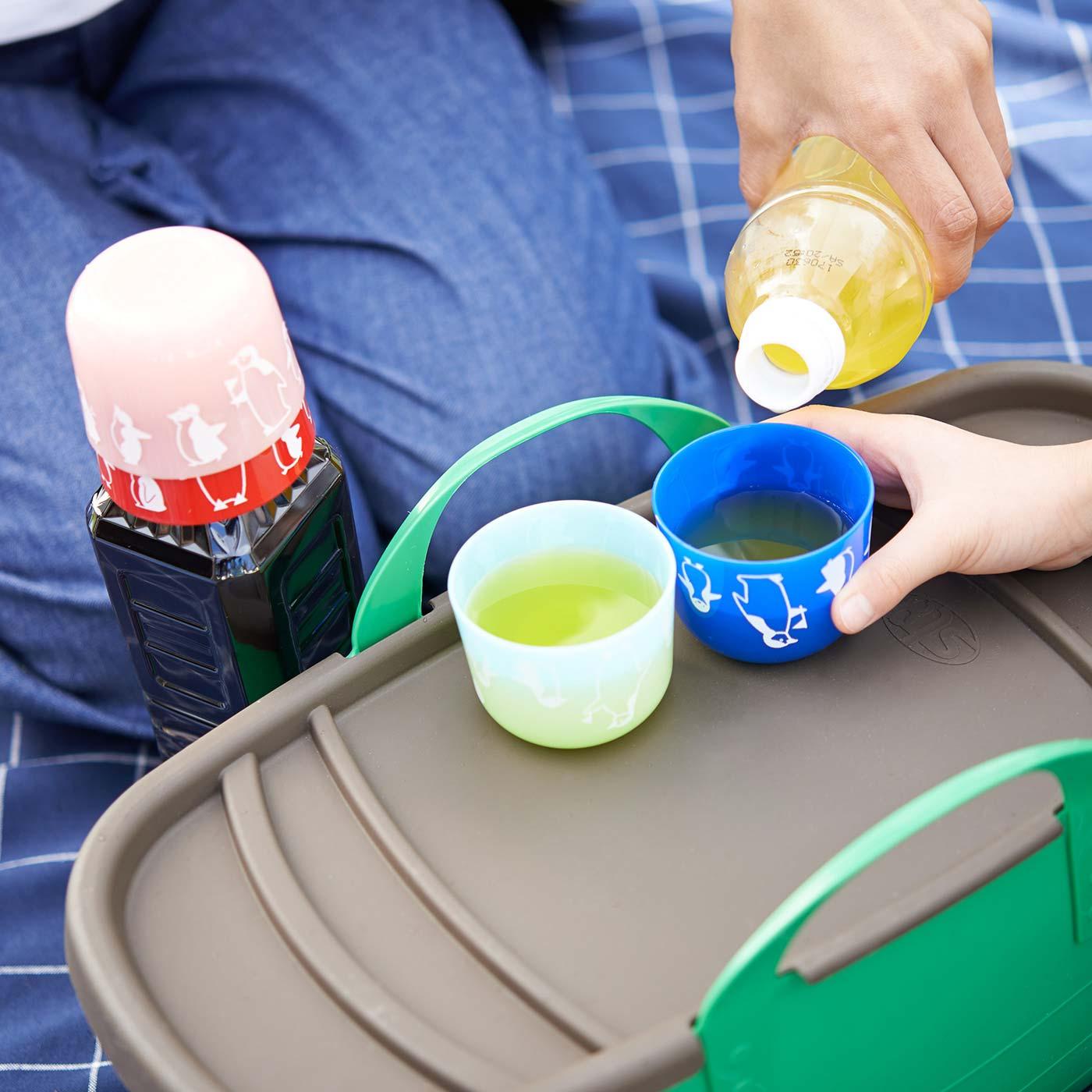 色で分ければ、自分のコップが一目瞭然(りょうぜん)!