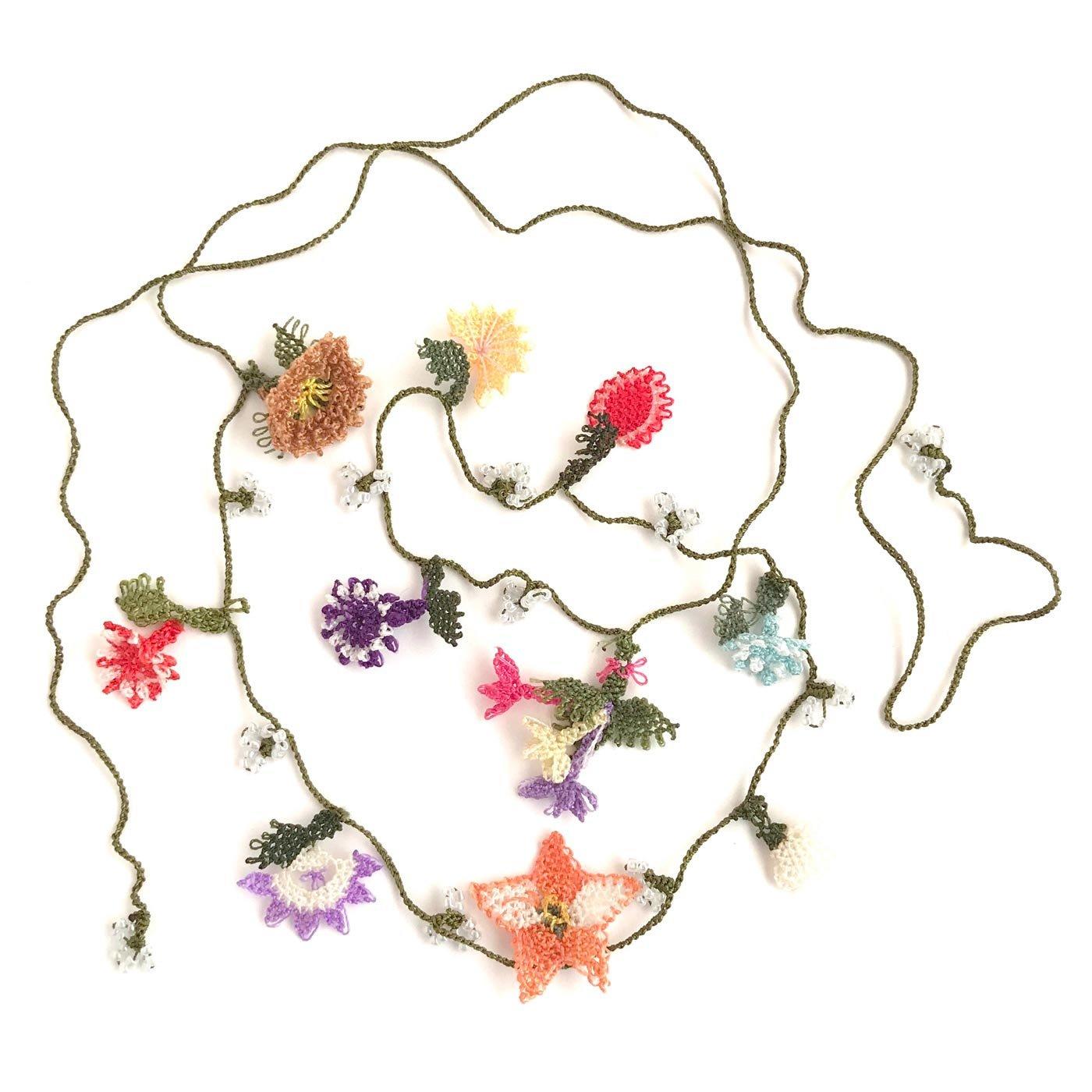 トルコの伝統手工芸 縫い針1本で作る「イーネオヤ」の可憐なネックレス