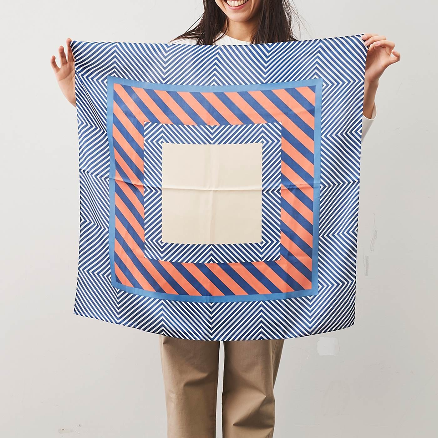 IEDIT[イディット] SELECT ナナメ幾何学模様スカーフ〈ベージュ×ブルー〉22647