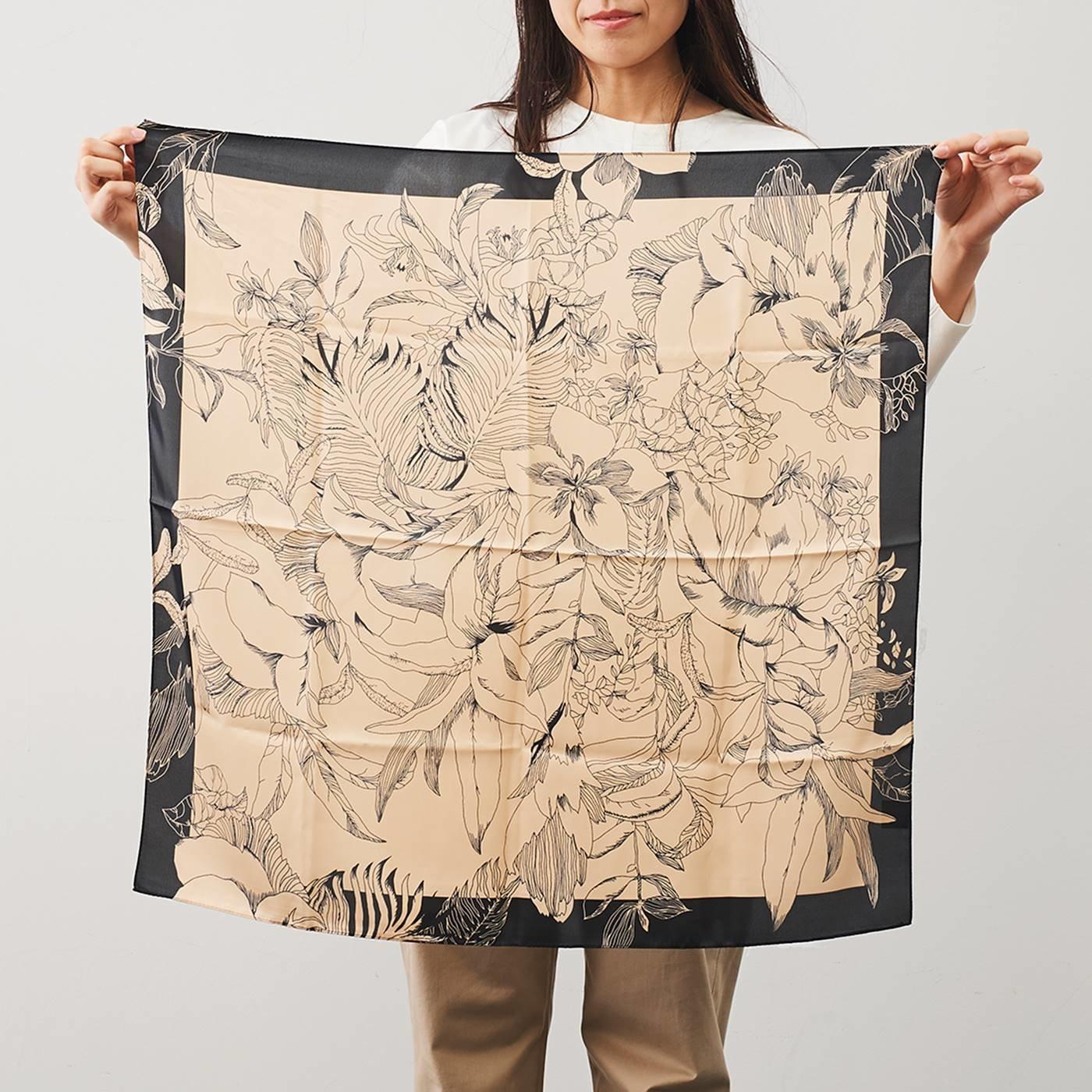 IEDIT[イディット] SELECT 花柄スカーフ〈ベージュ×ブラック〉22649