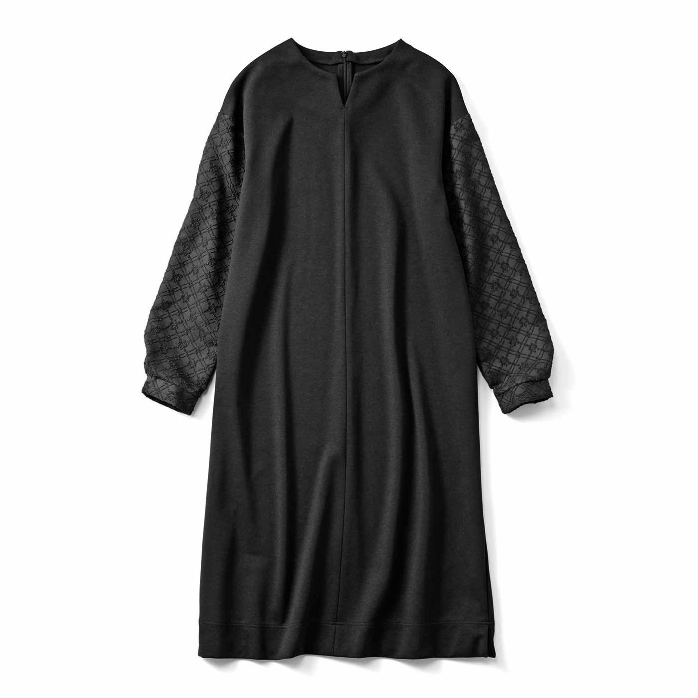 HIROMI YOSHIDA. ジャカード袖のブラックワンピース
