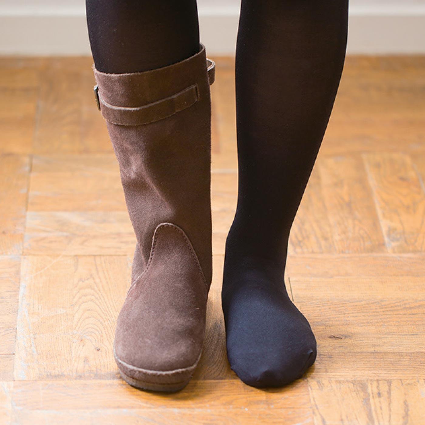 はきやすいからタイツとの重ねばきも◎。ブーツのつま先もぬくぬく。