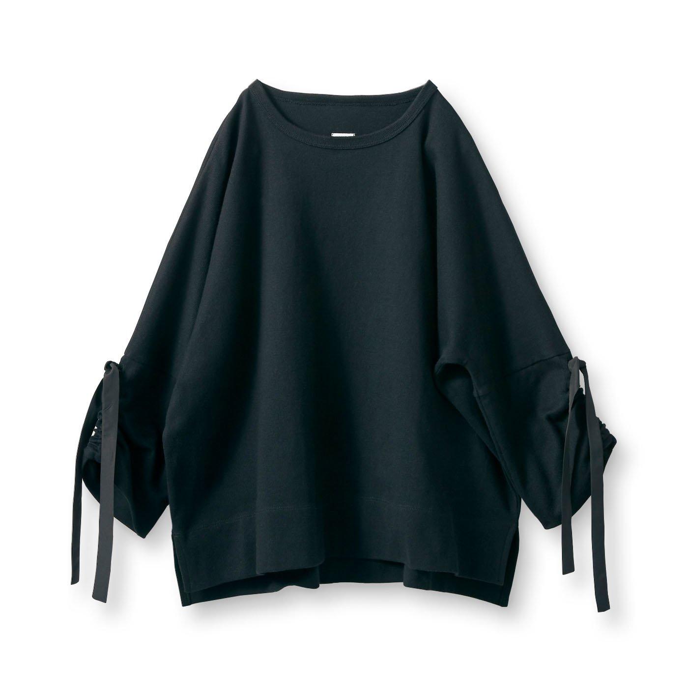 アヴェクモワ 袖にリボントップス〈黒〉