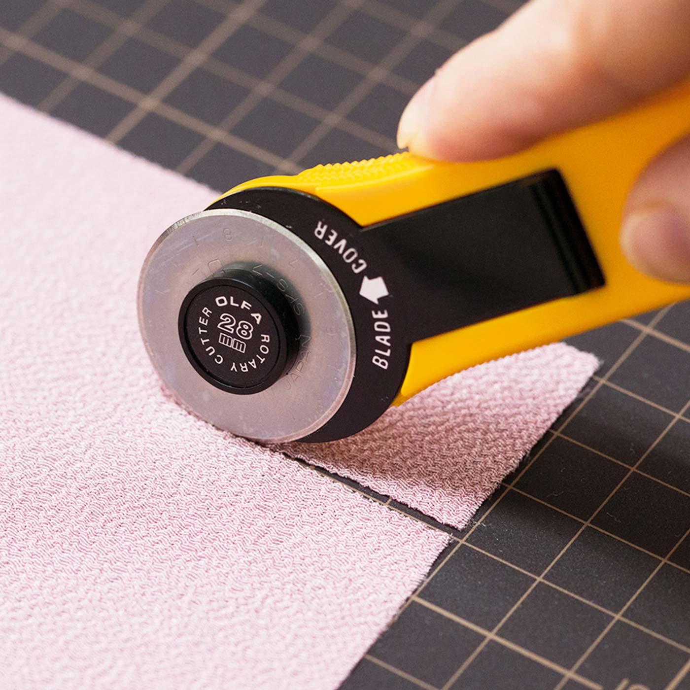 やわらかい布も、スパッと切れれます。