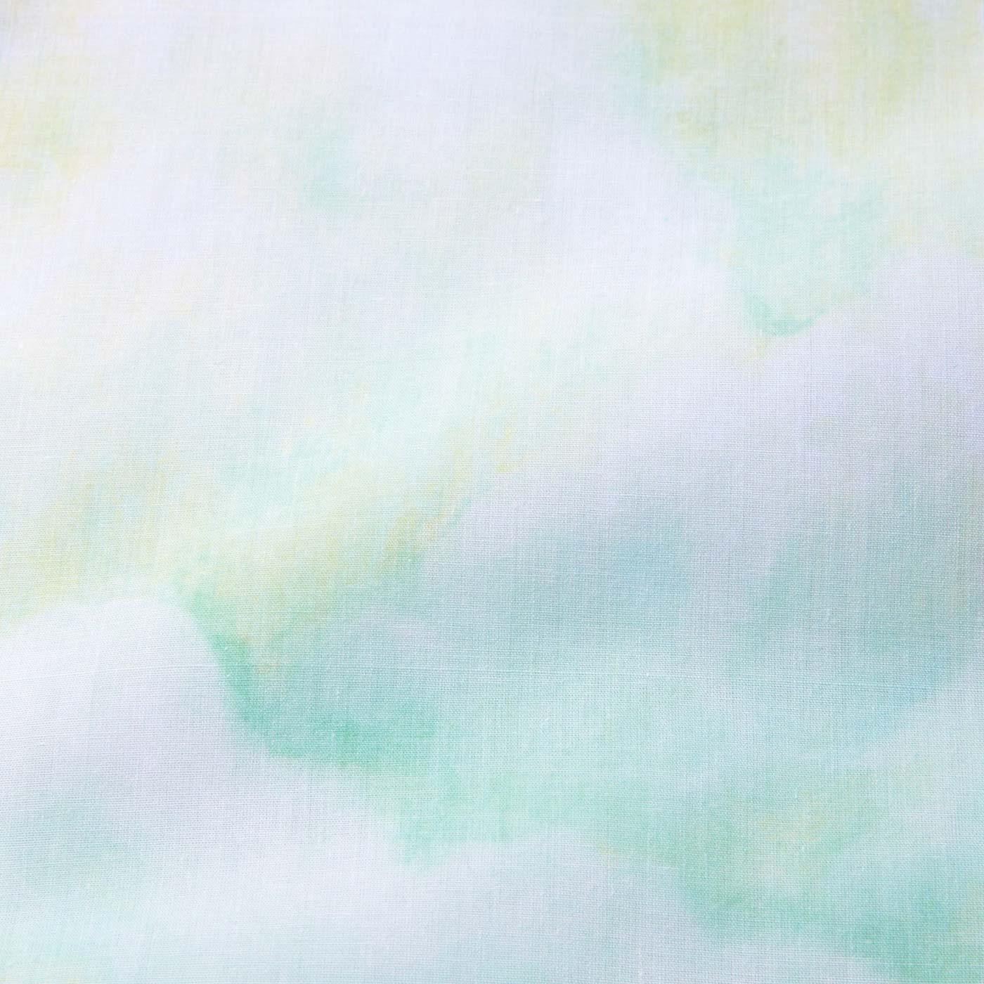 リアルな水彩画をプリントで再現。複雑な色遣いと繊細なタッチに注目!