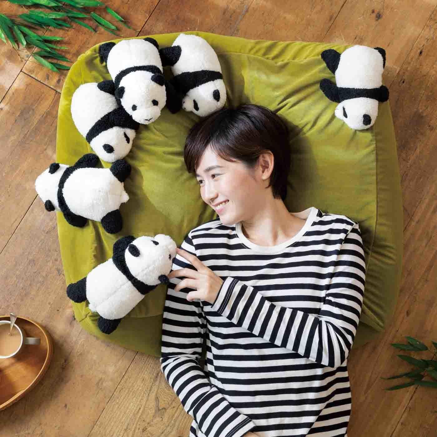YOU+MORE! 気分は飼育員さん♪ 赤ちゃんパンダに囲まれる 布団収納クッションソファ