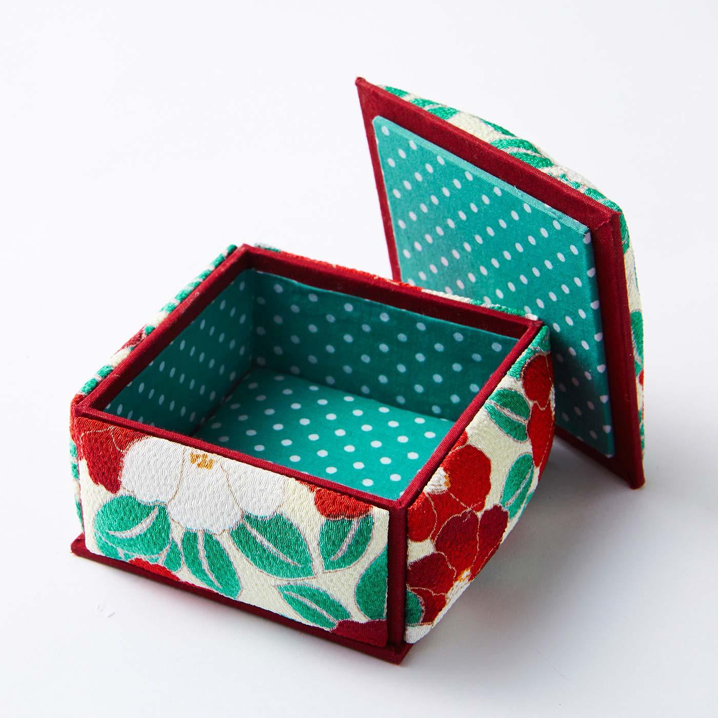 四角箱(印鑑ケース) 約10.5cm×10.5cm、高さ約6cm