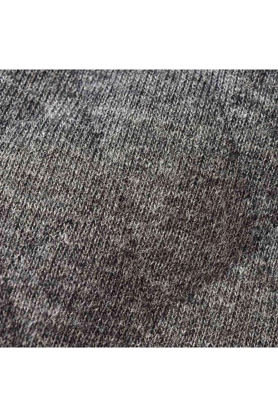 袖はキルティングで、軽くてやわらかな着心地がポイント。