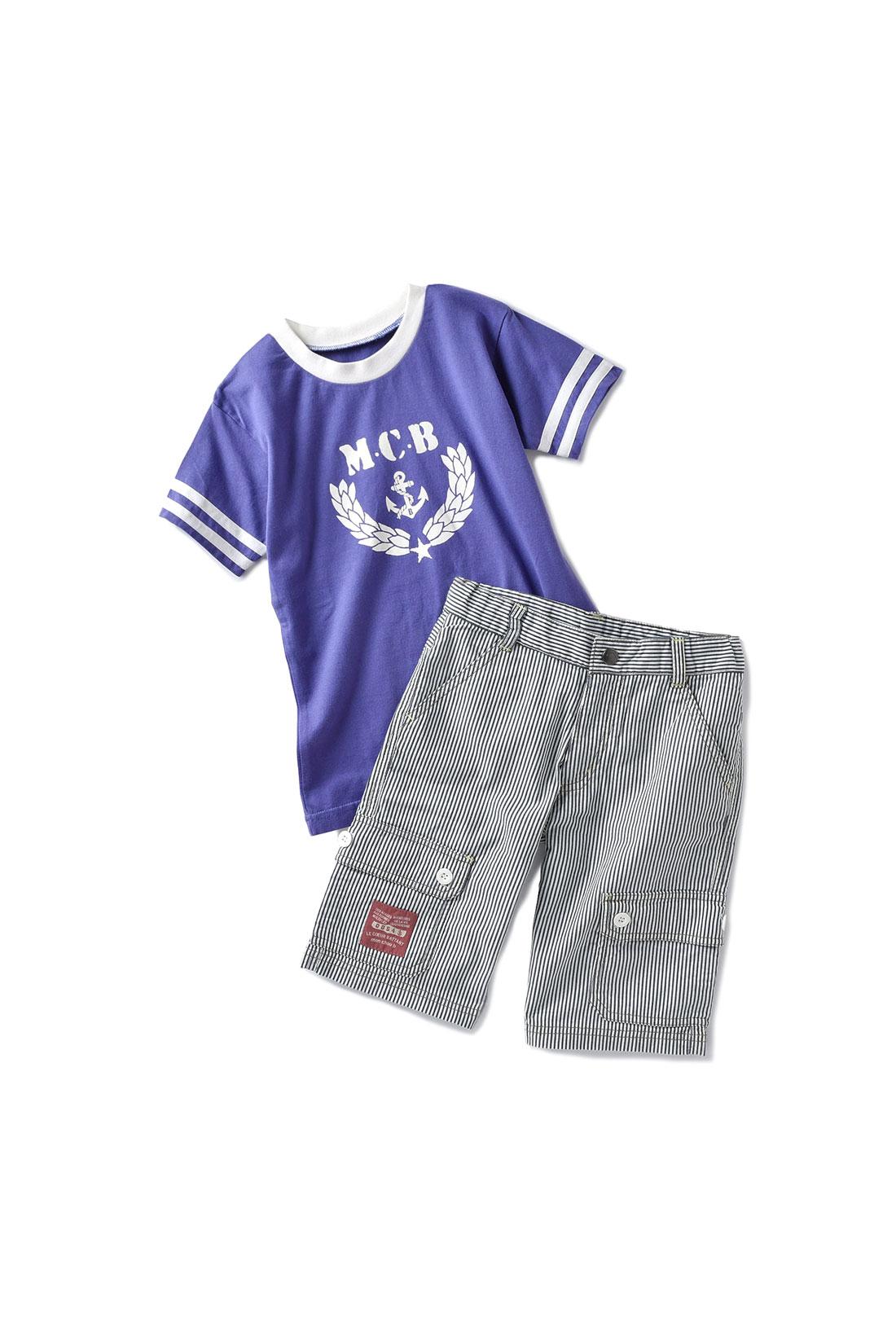 スタイリッシュなロゴをあしらったトップスに着まわしやすいパンツをセット。