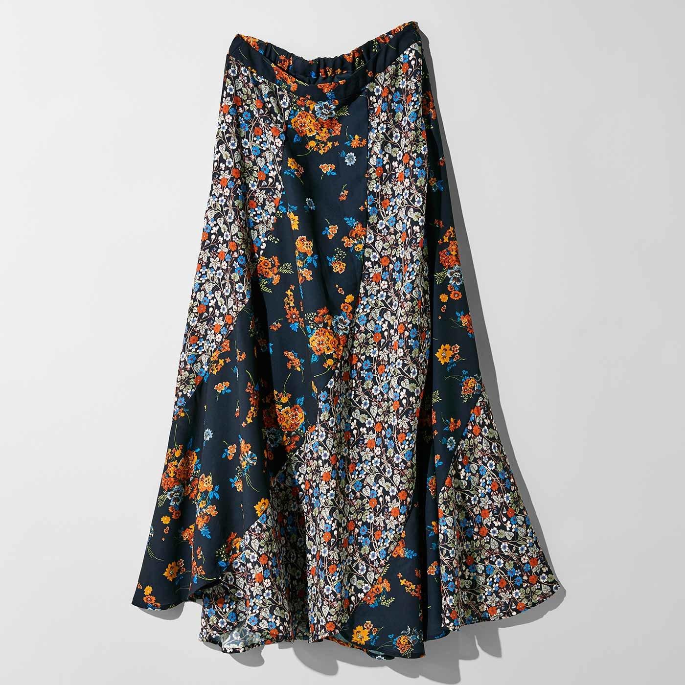 MEDE19F 「ミュルーズ染織美術館」アーカイブコレクション ヴィンテージパターンプリント切り替えスカート〈ネイビー〉