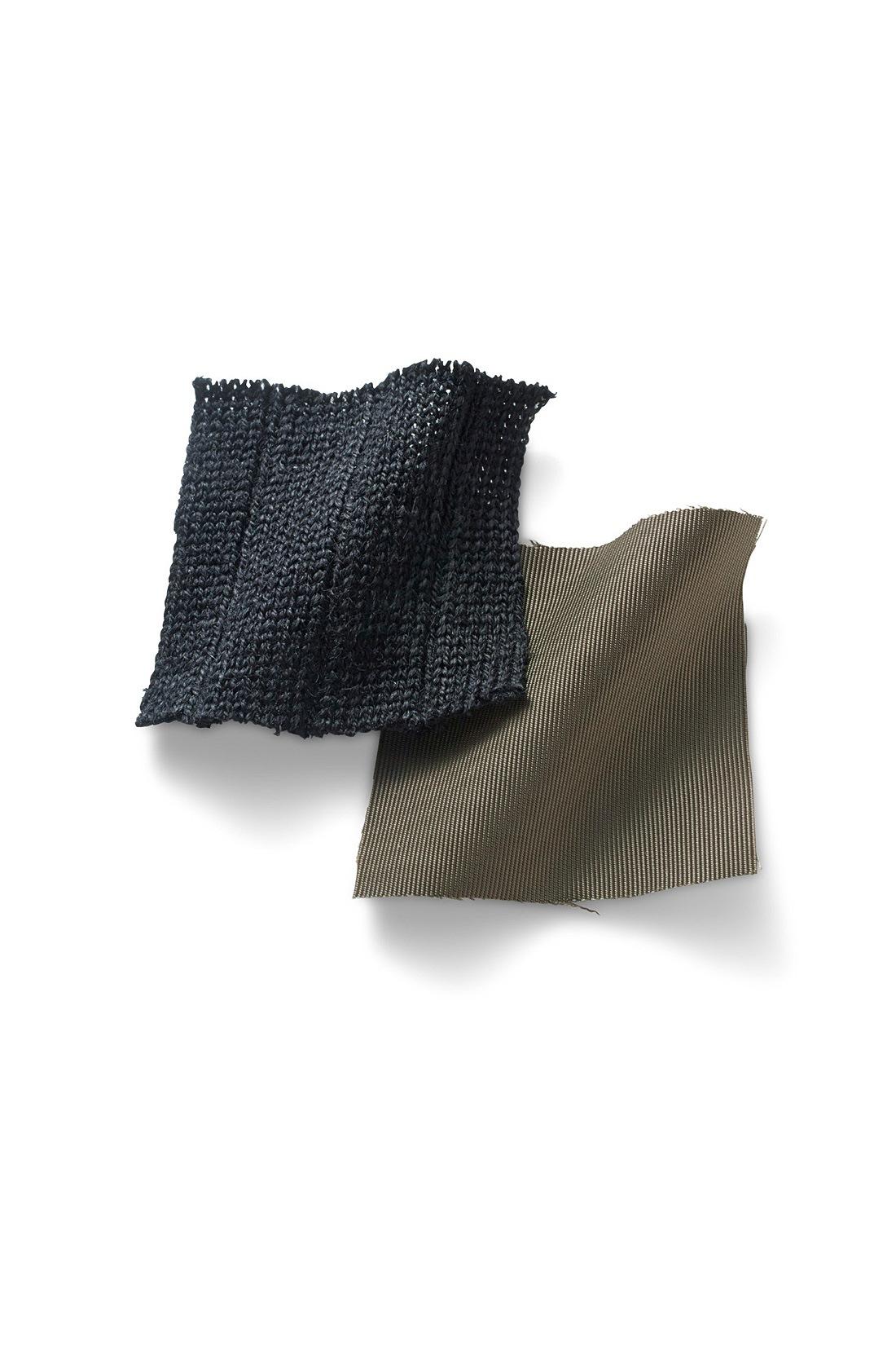 リブでスッキリ見えるニットトップスと、光沢がきれいなスカートの地。メモリータッチでしわになりにくいのが◎。