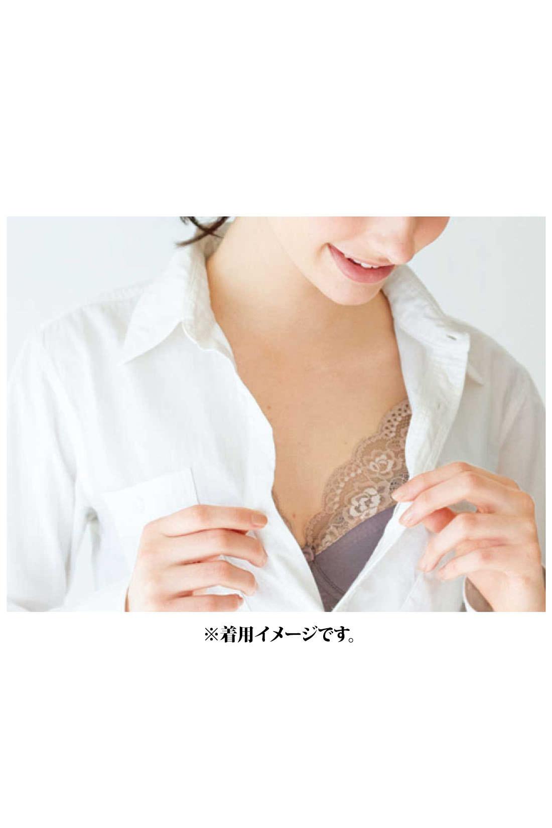 大きい胸さんのための透けずに美しく決まるフルカップブラ〈グレイッシュベージュ〉