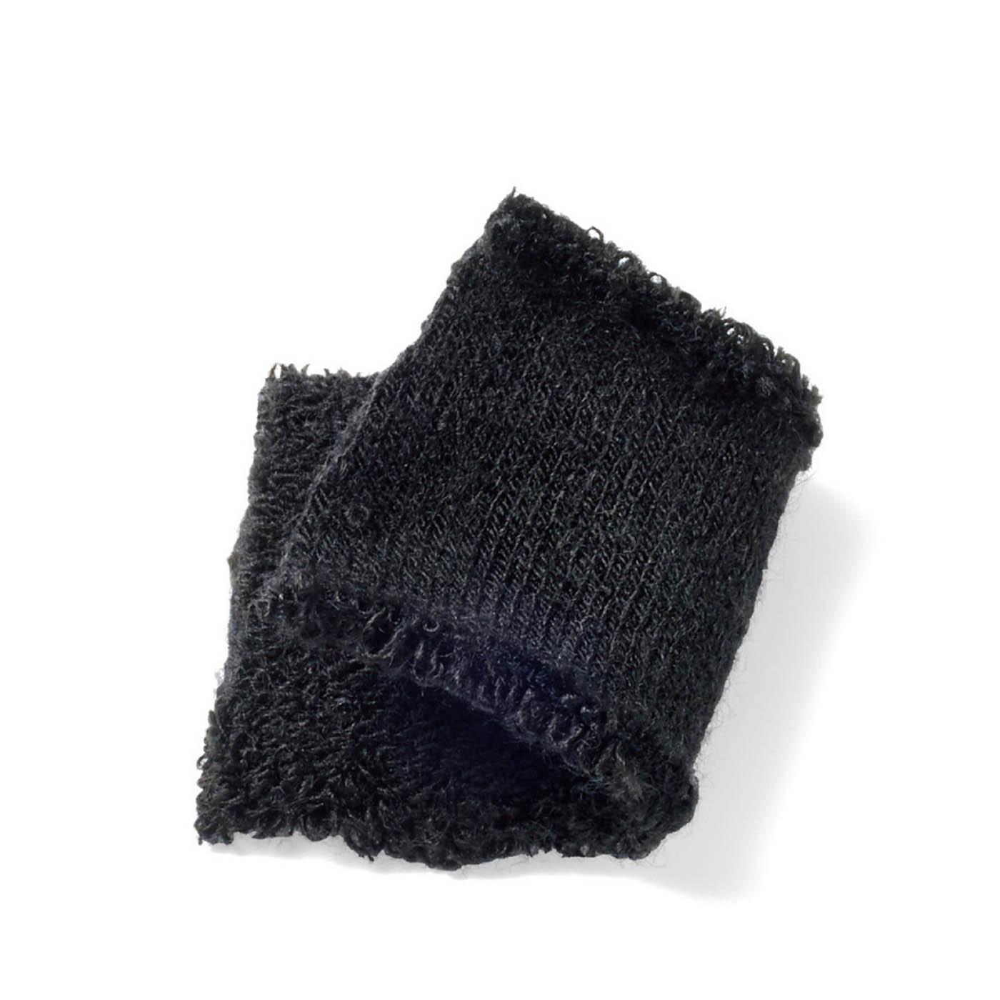 欲しいのは定番のブラック どんな服装にも合わせやすく、着こなしを引き締めてくれる安定のブラックを作りました。