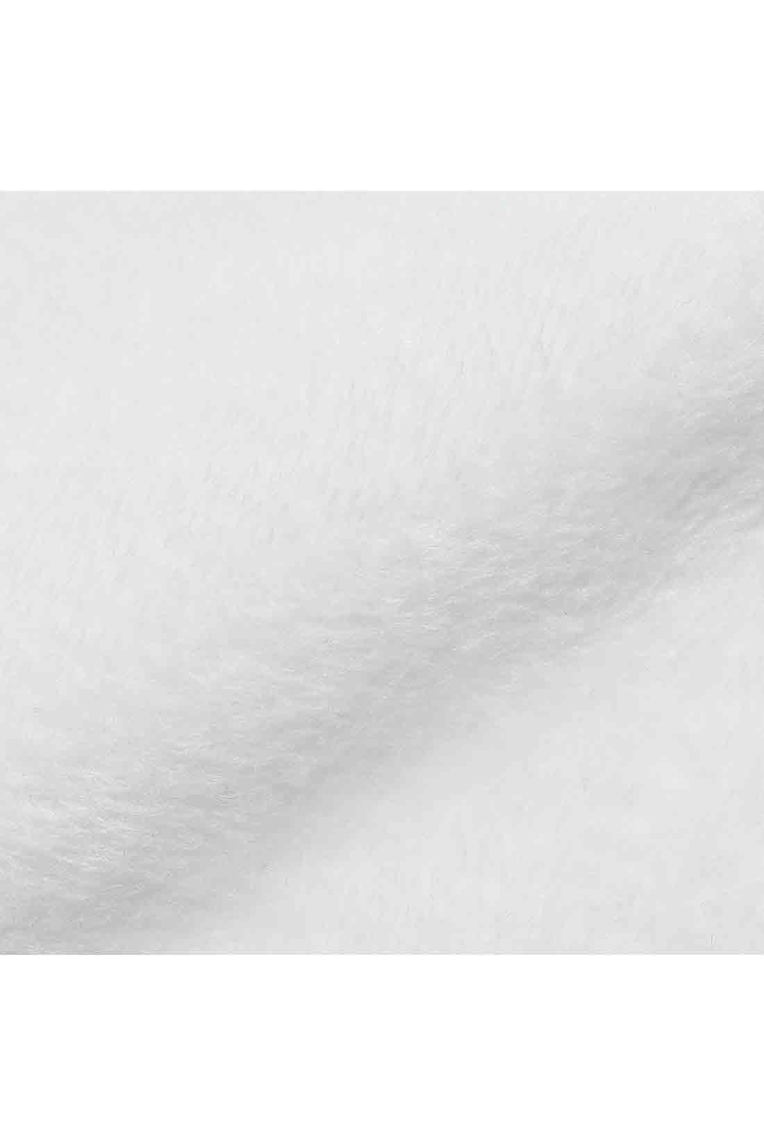 裏シャギーでぬくぬく 裏面はシャギー素材だから腰まわりから太ももまでぬくもりをキープ。