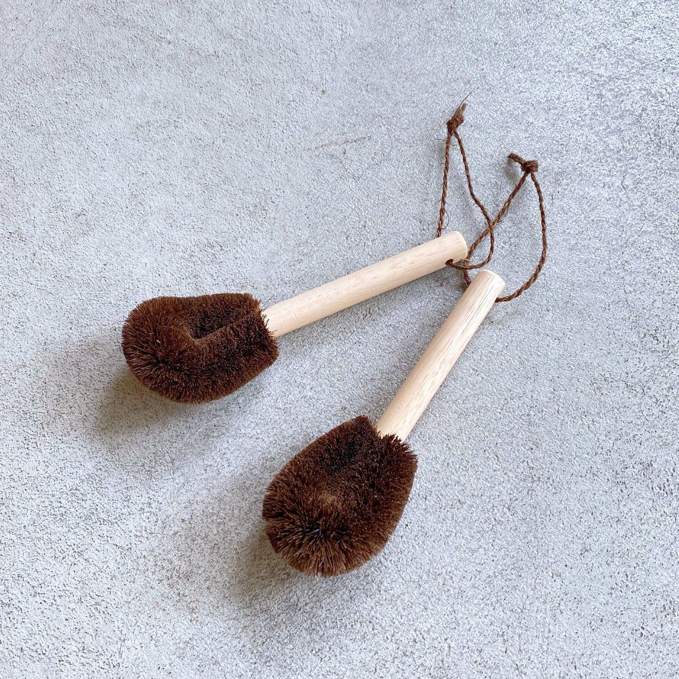 汚れをやさしくからめとる持ち手付き棕櫚たわしミニ2個セット