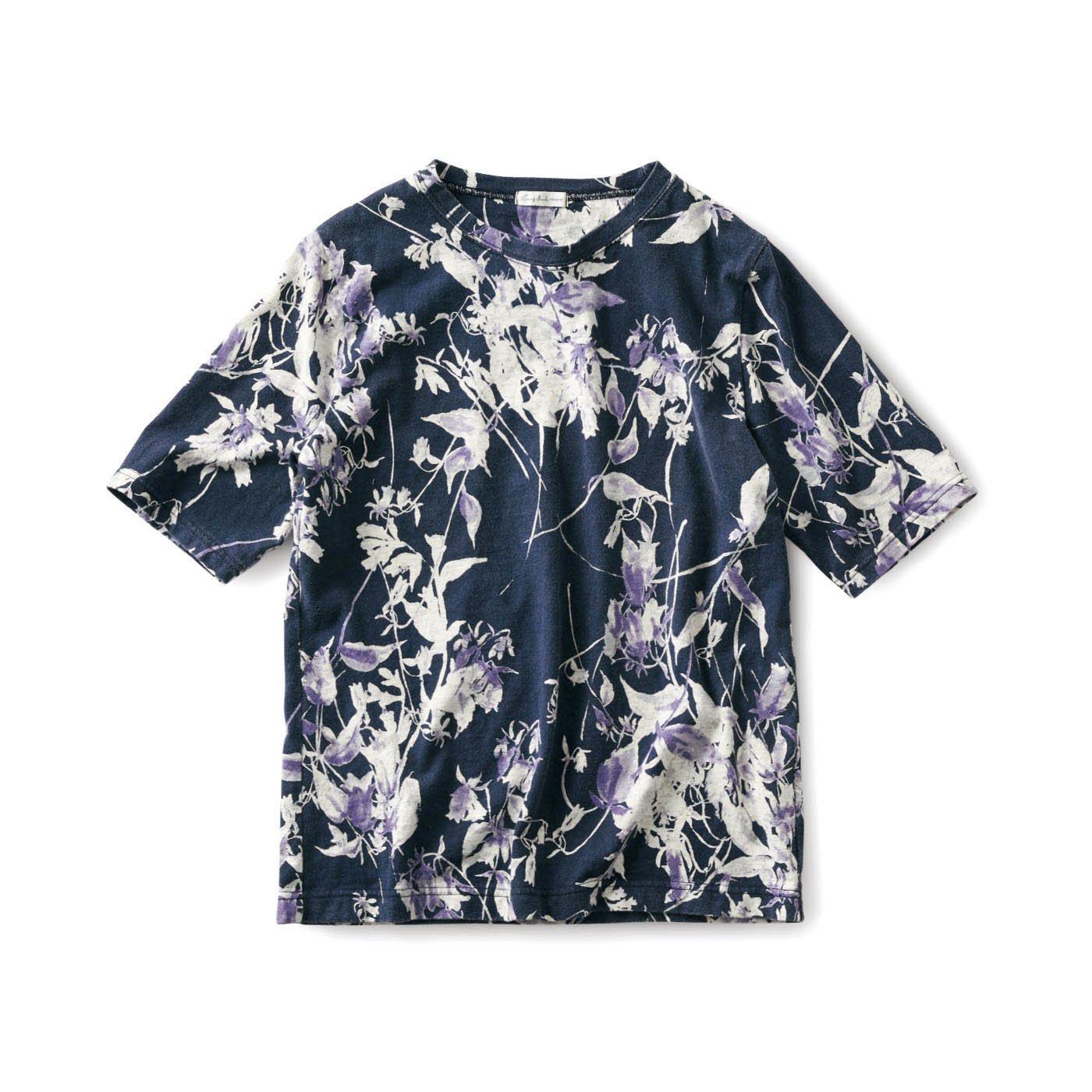 サニークラウズ 味わいのある総柄Tシャツ〈レディース〉