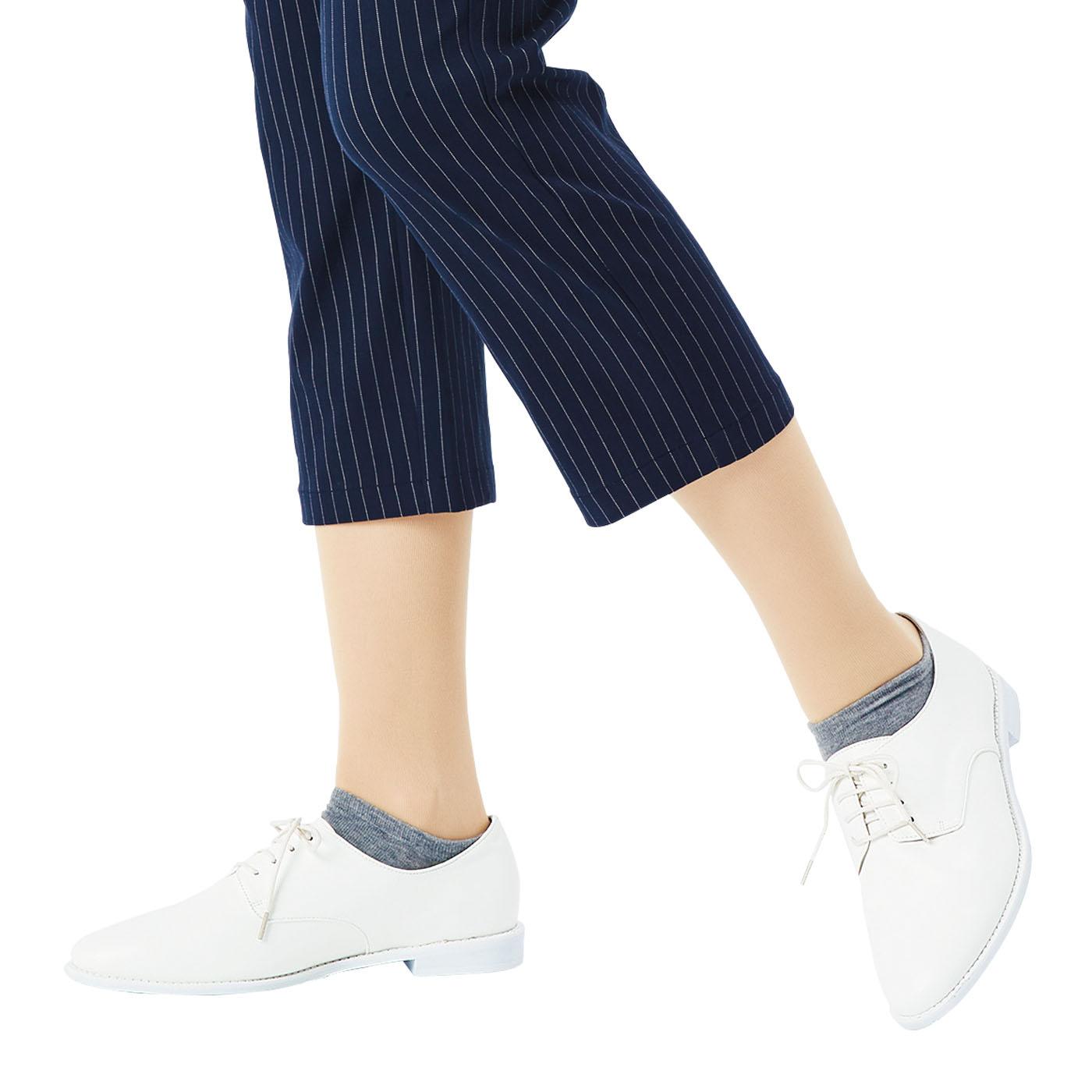 靴下部分はシューズからちら見えしてしてもかわいいくるぶし丈。