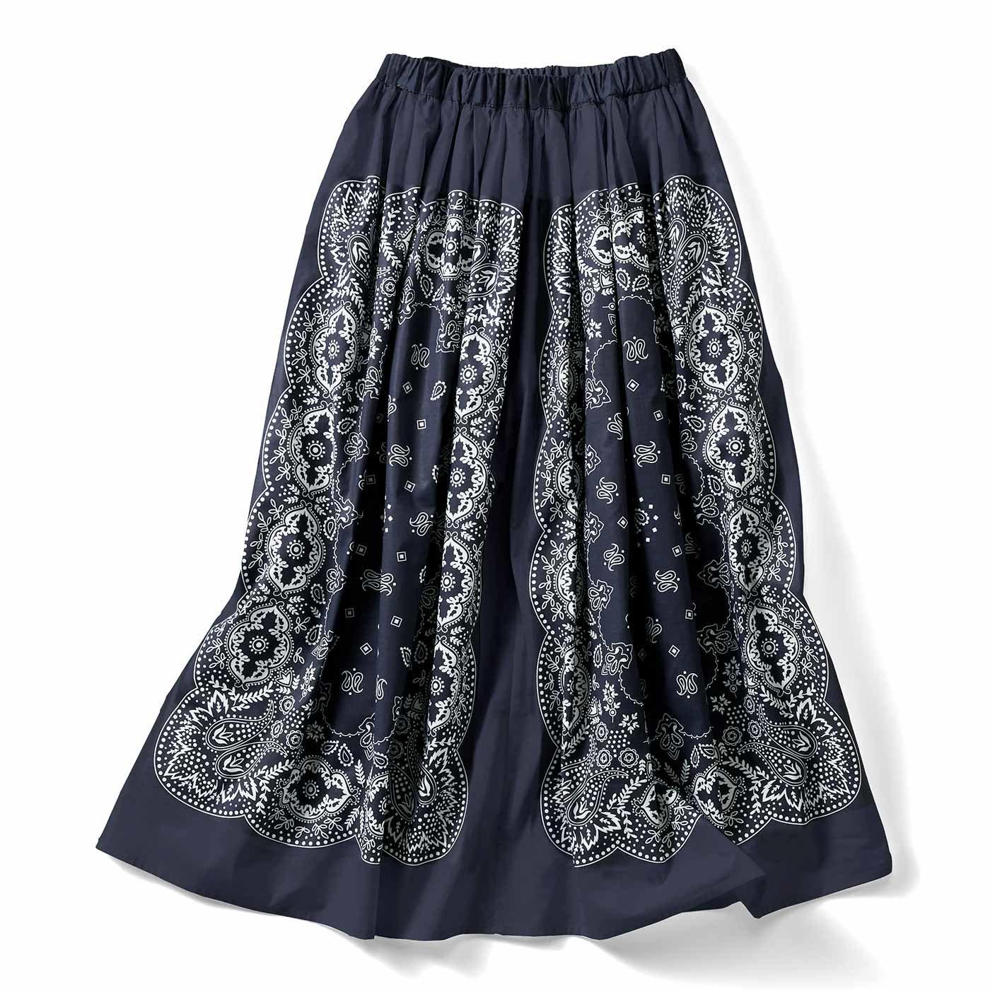 【イラストレーターきくちあつこさんコラボ】IEDIT[イディット] バンダナ柄ギャザーフレアースカート〈グレイッシュネイビー〉