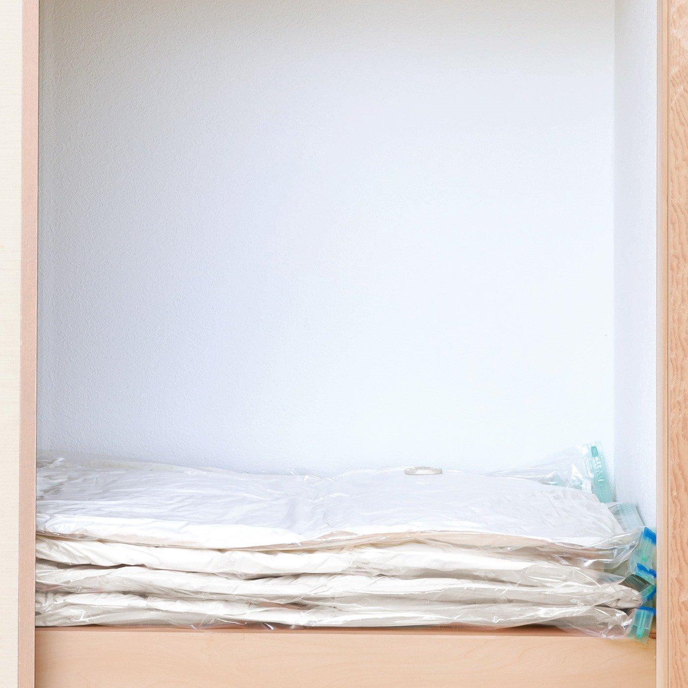 布団を約3分の1にスリム収納!二つ折りできる圧縮袋〈シングル敷き布団対応〉の会