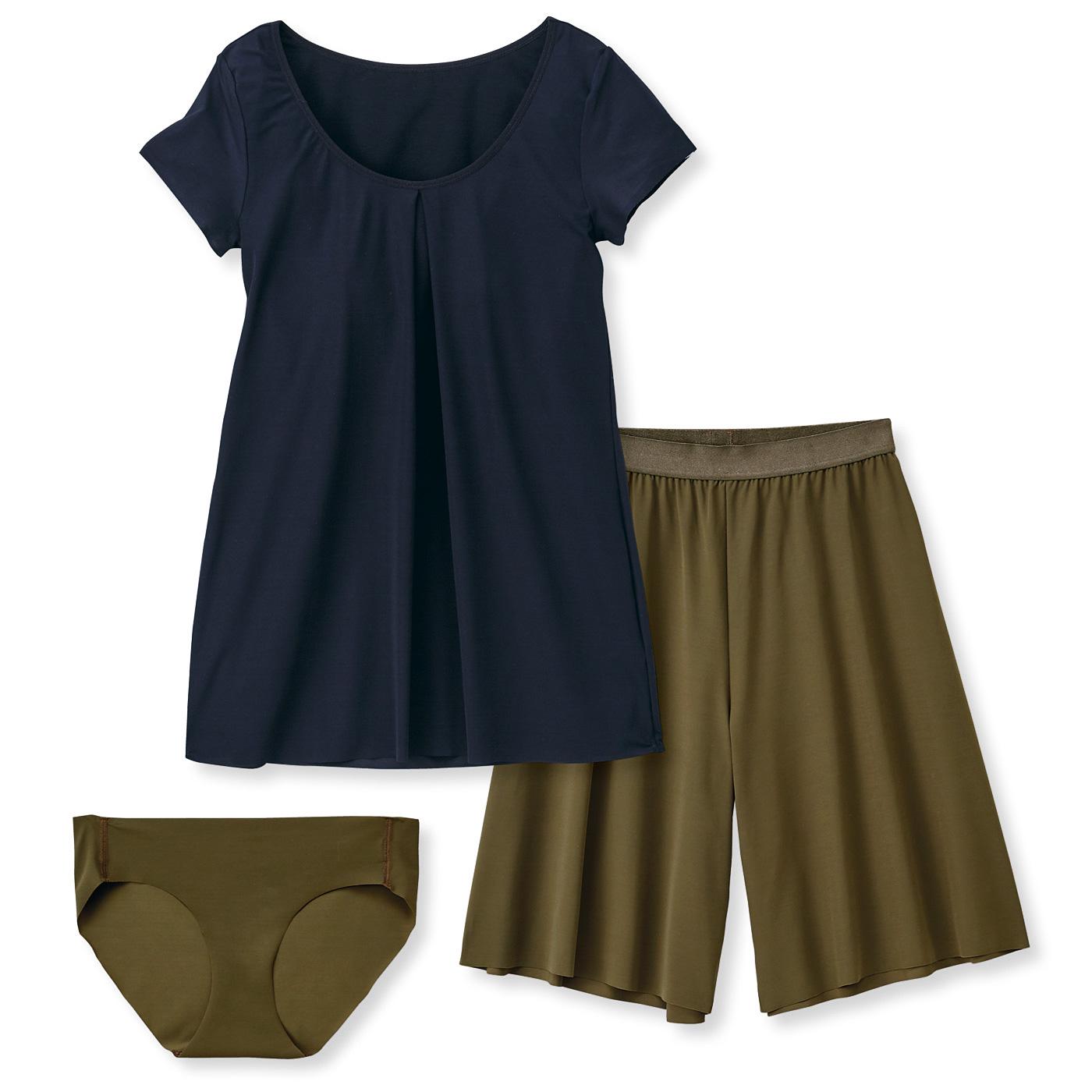 洋服感覚で着られるスイムウェアセット