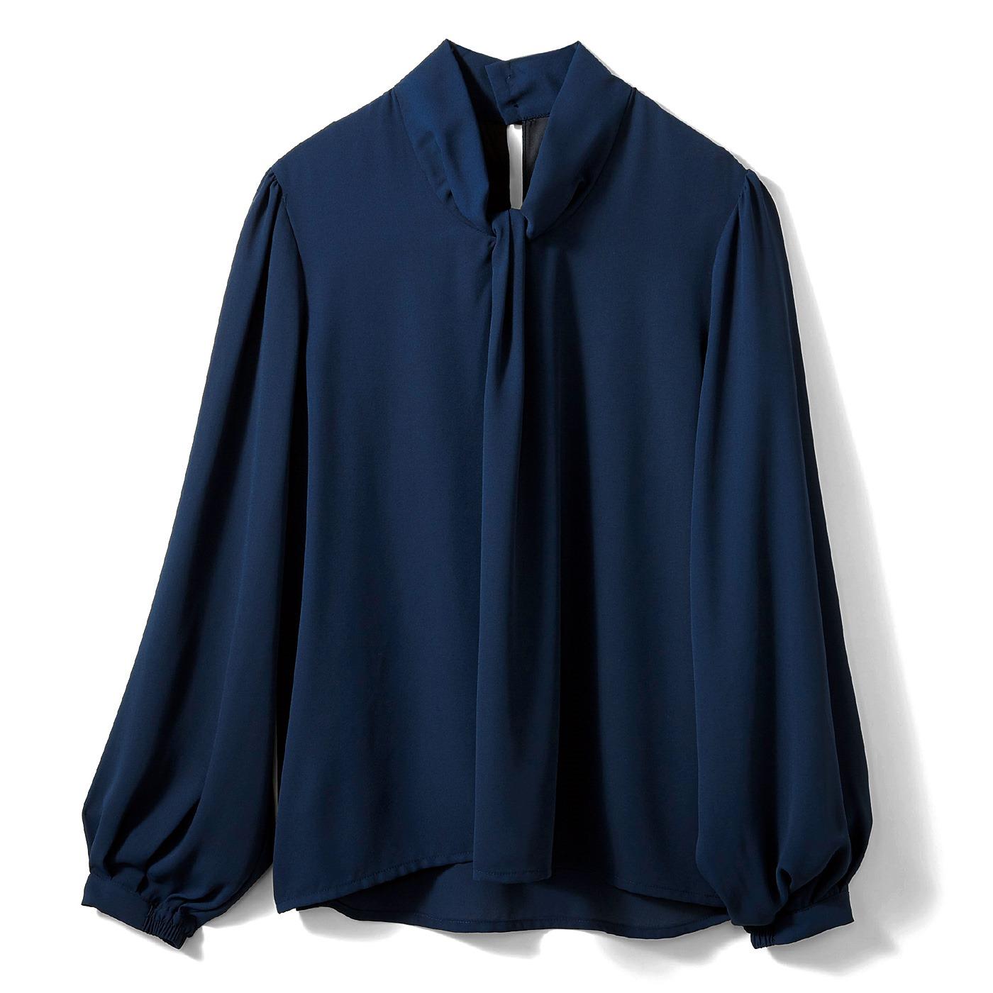 【3~10日でお届け】IEDIT[イディット] 結ぶ手間いらず! Tシャツ心地で快適なボウタイ風ドッキングTブラウス〈ネイビー〉