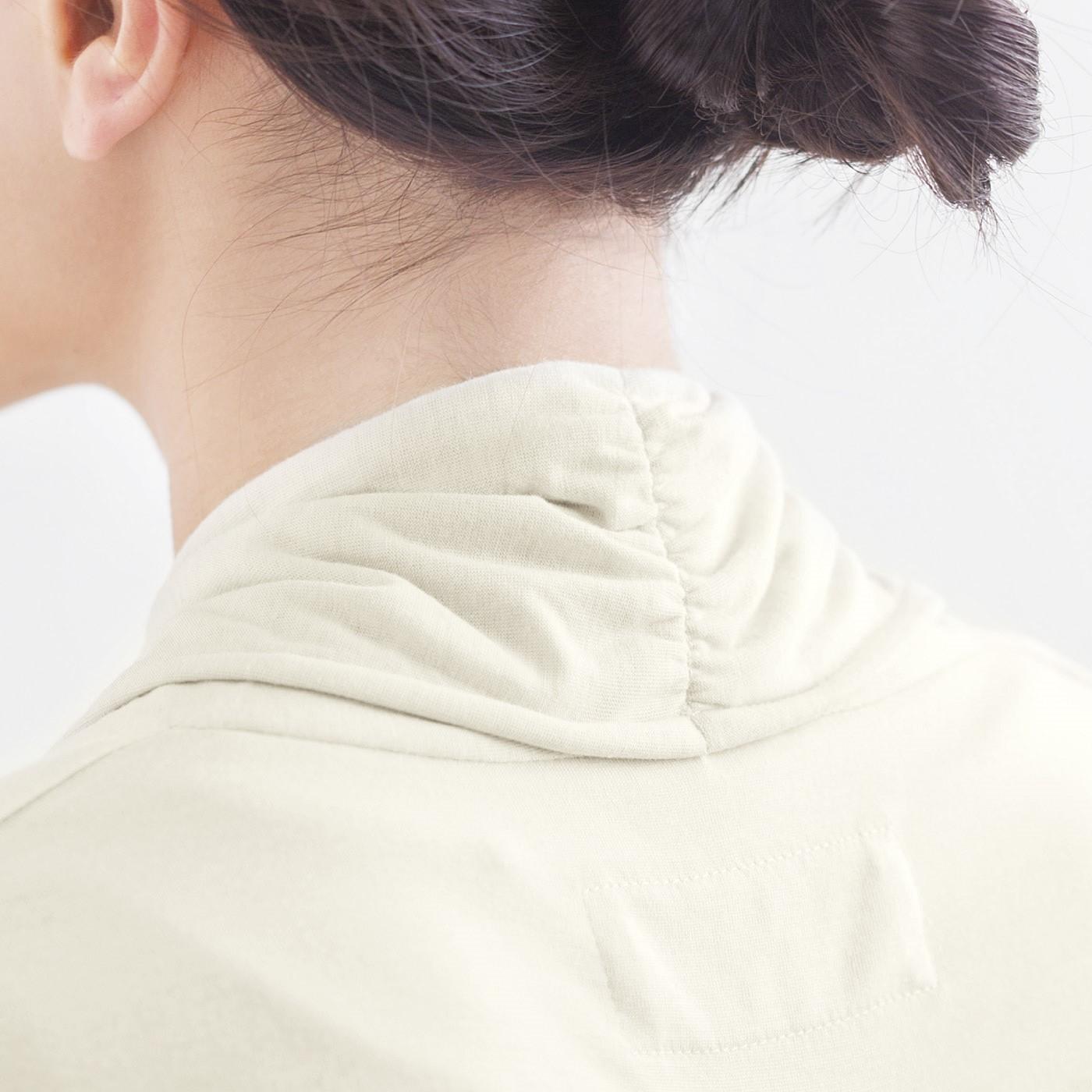 ほどよい張り感の綿レースは扱いやすく、上品な印象に。