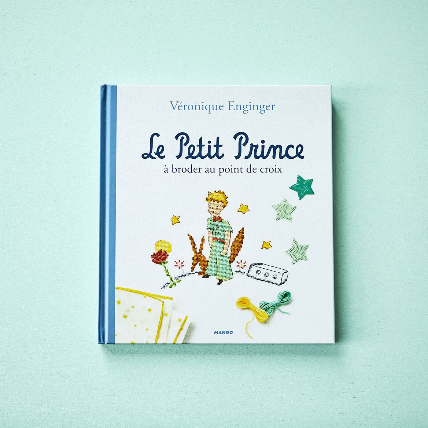 繊細な図案と色遣いが美しい クロスステッチ図案集「星の王子さま」