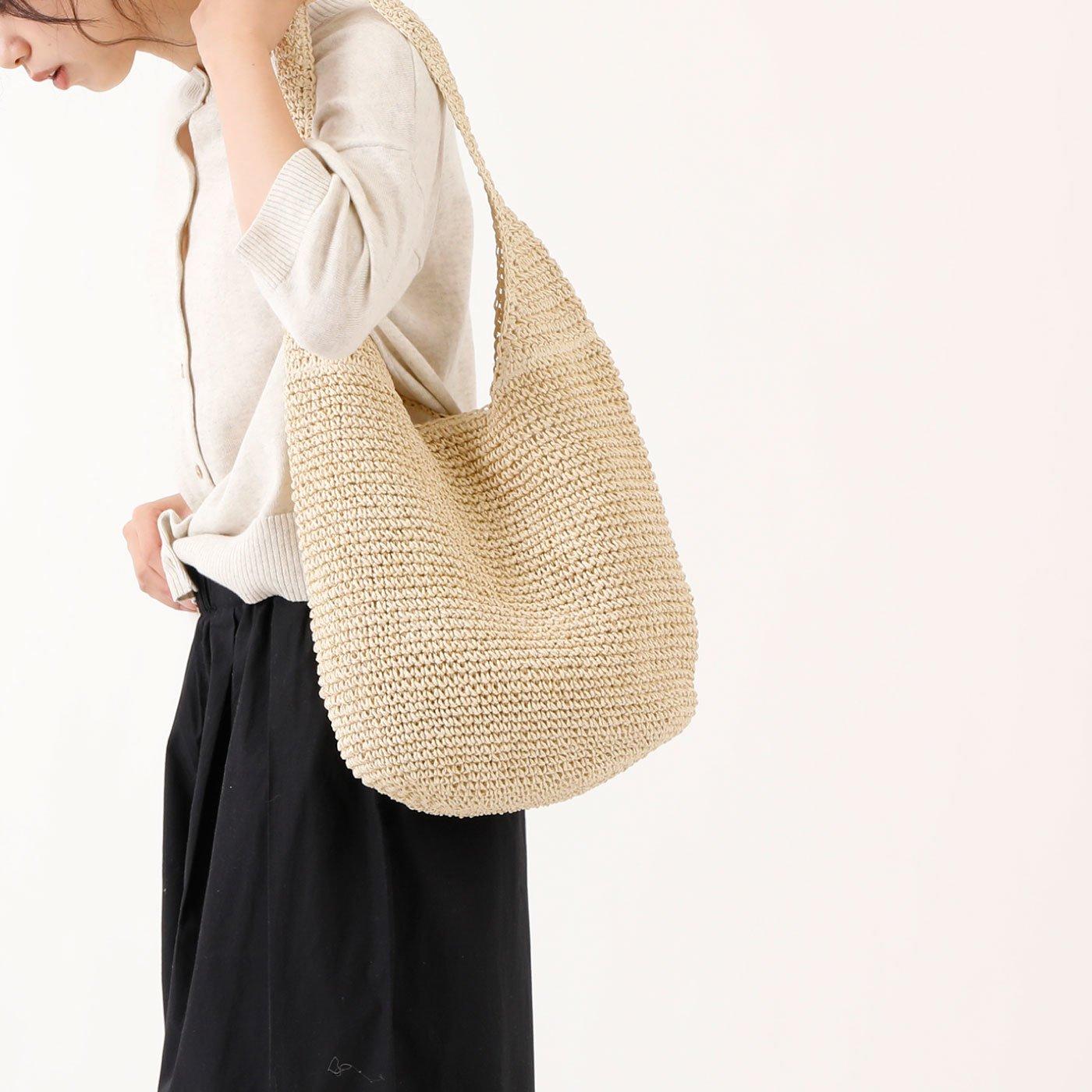 涼しげな雰囲気 軽くて柔らかいペーパー素材のショルダーバッグ
