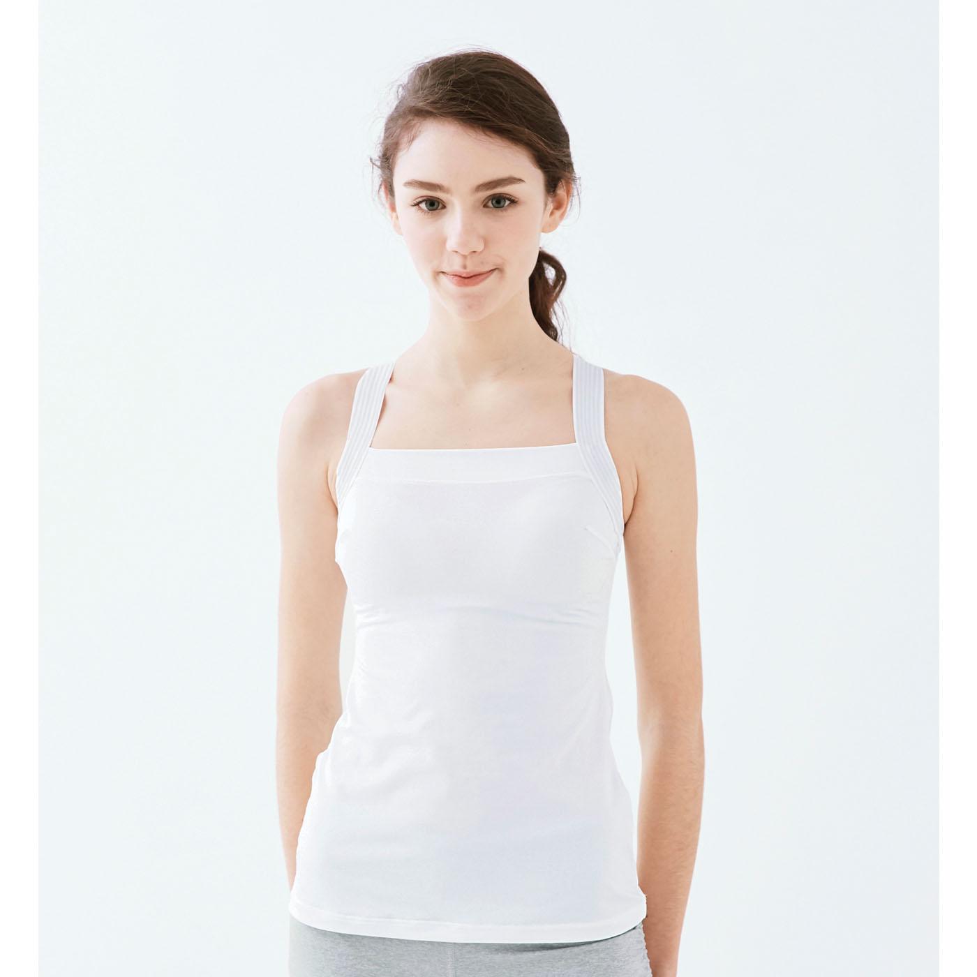 薄着にも安心の白。制服を着る看護師さんや学生さんにもオススメ。