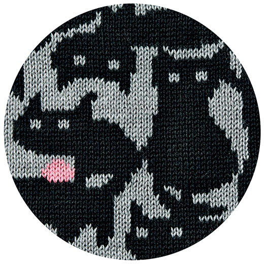 猫だらけすぎて猫と気づかれない!?絶妙なオリジナル柄。引き締め色でスマートにコーディネイトできます。