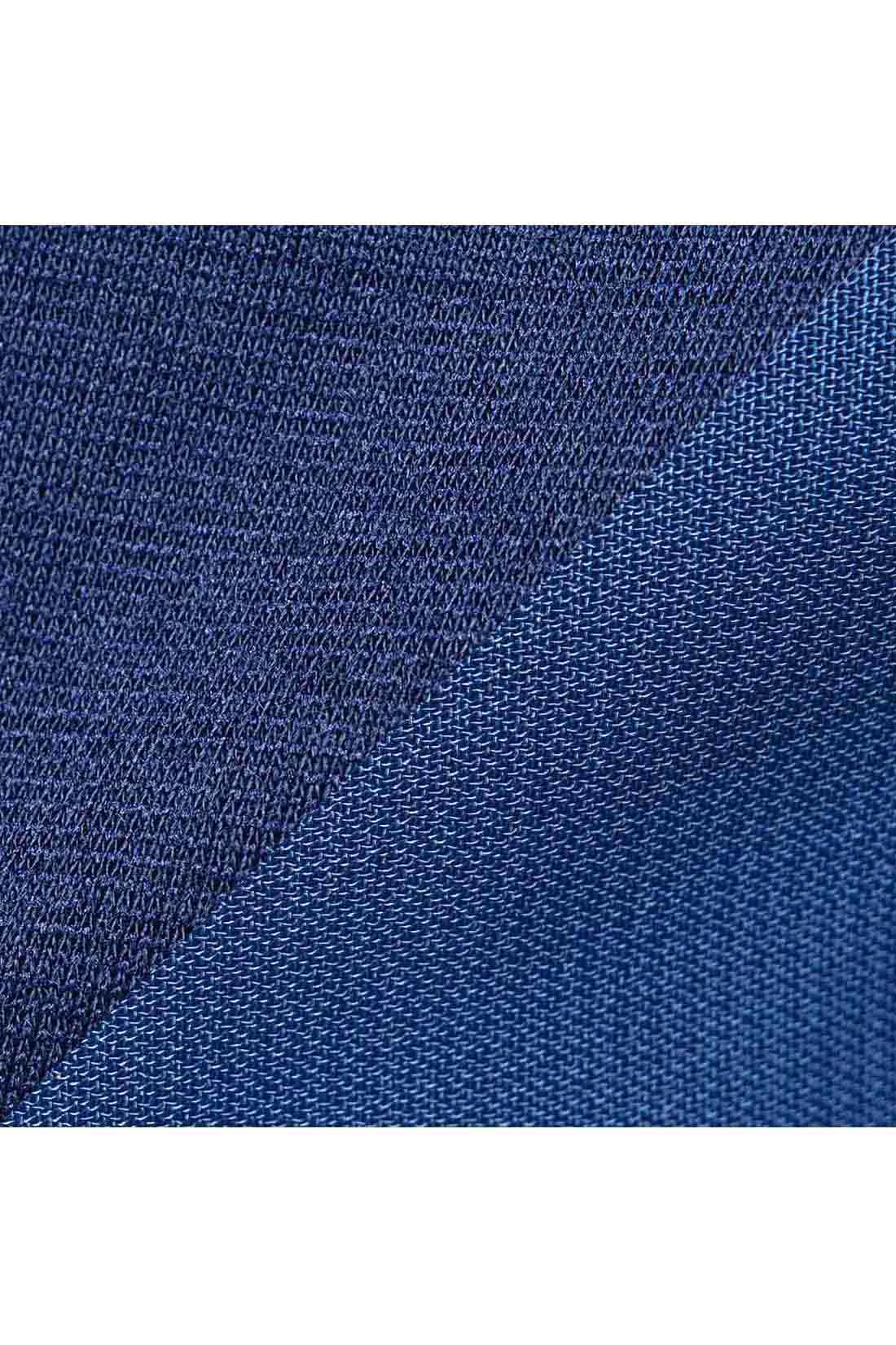 カットソー×シフォンをワントーンで。 カットソーはとろみ感がある上質なポンチ素材。リボンと袖はシアーなシフォン素材。